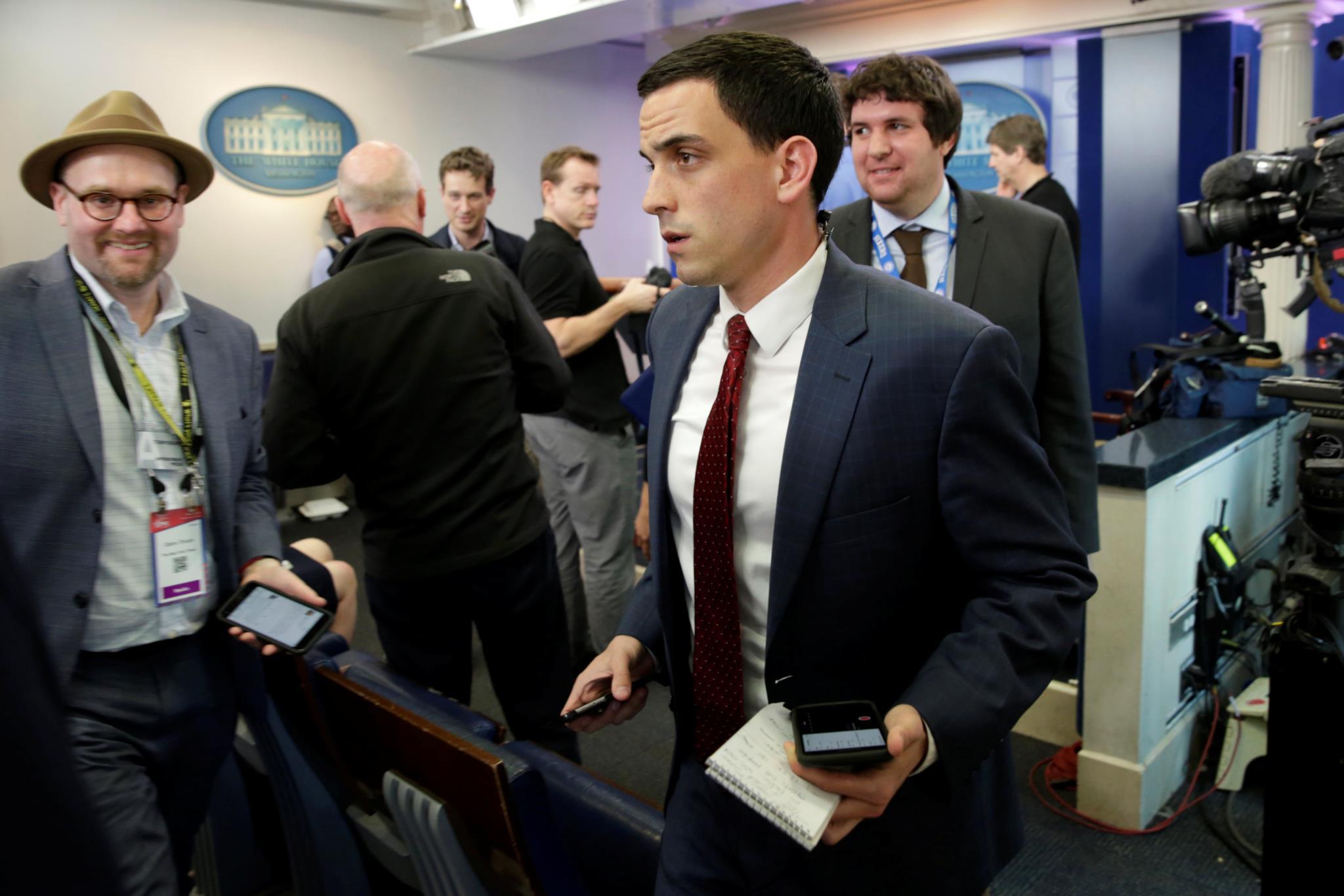 PÚBLICO - Jornalistas de pelo menos oito órgãos impedidos de entrar na Casa Branca