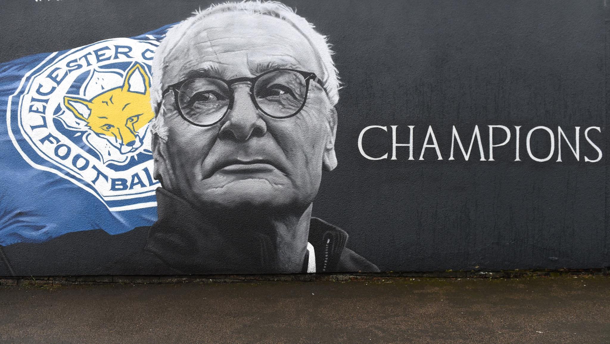PÚBLICO - O Leicester City foi de romântico a cínico em 298 dias