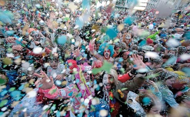 PÚBLICO - É Carnaval, o bacalhau não leva a mal