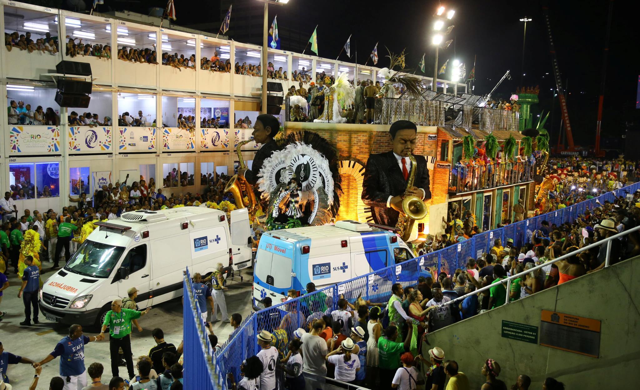 Resultado de imagem para carnaval rio acidentes