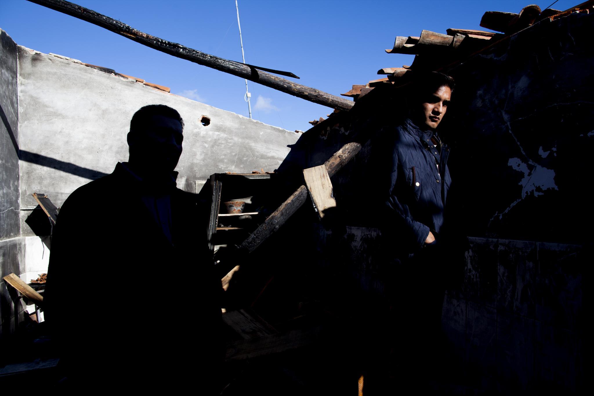 PÚBLICO - Frases nas paredes ameaçam de morte ciganos de Moura
