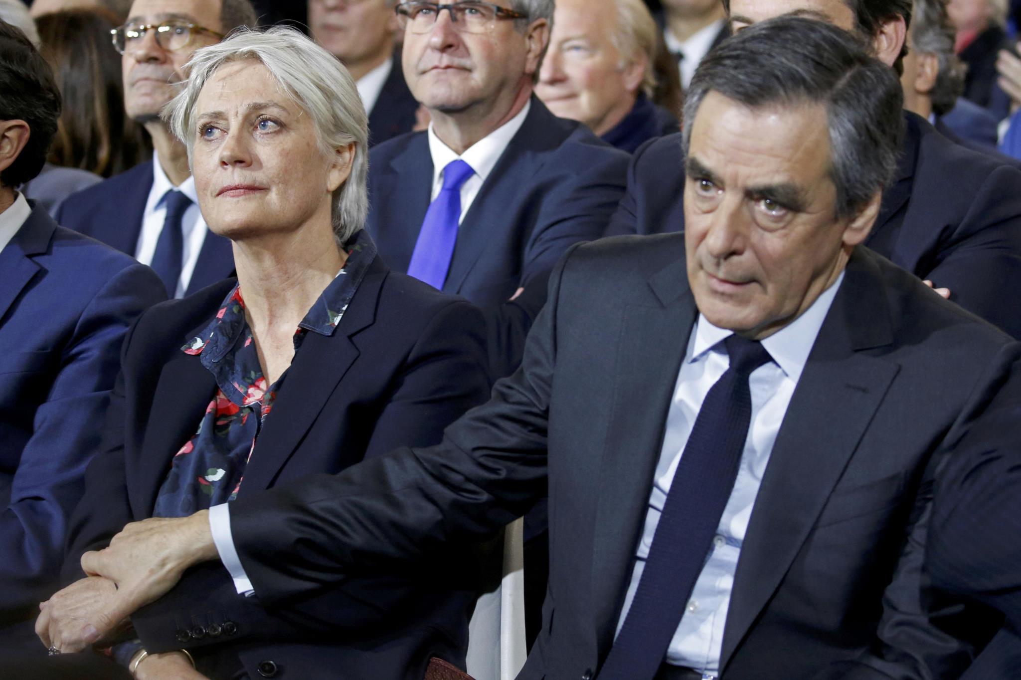 """PÚBLICO - Fillon recusa demitir-se e denuncia tentativa de """"assassínio político"""""""
