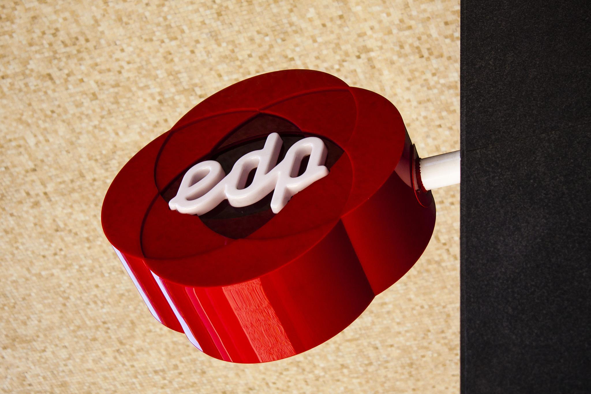 PÚBLICO - PSD quer explicações dos reguladores sobre abusos da EDP e na Galp