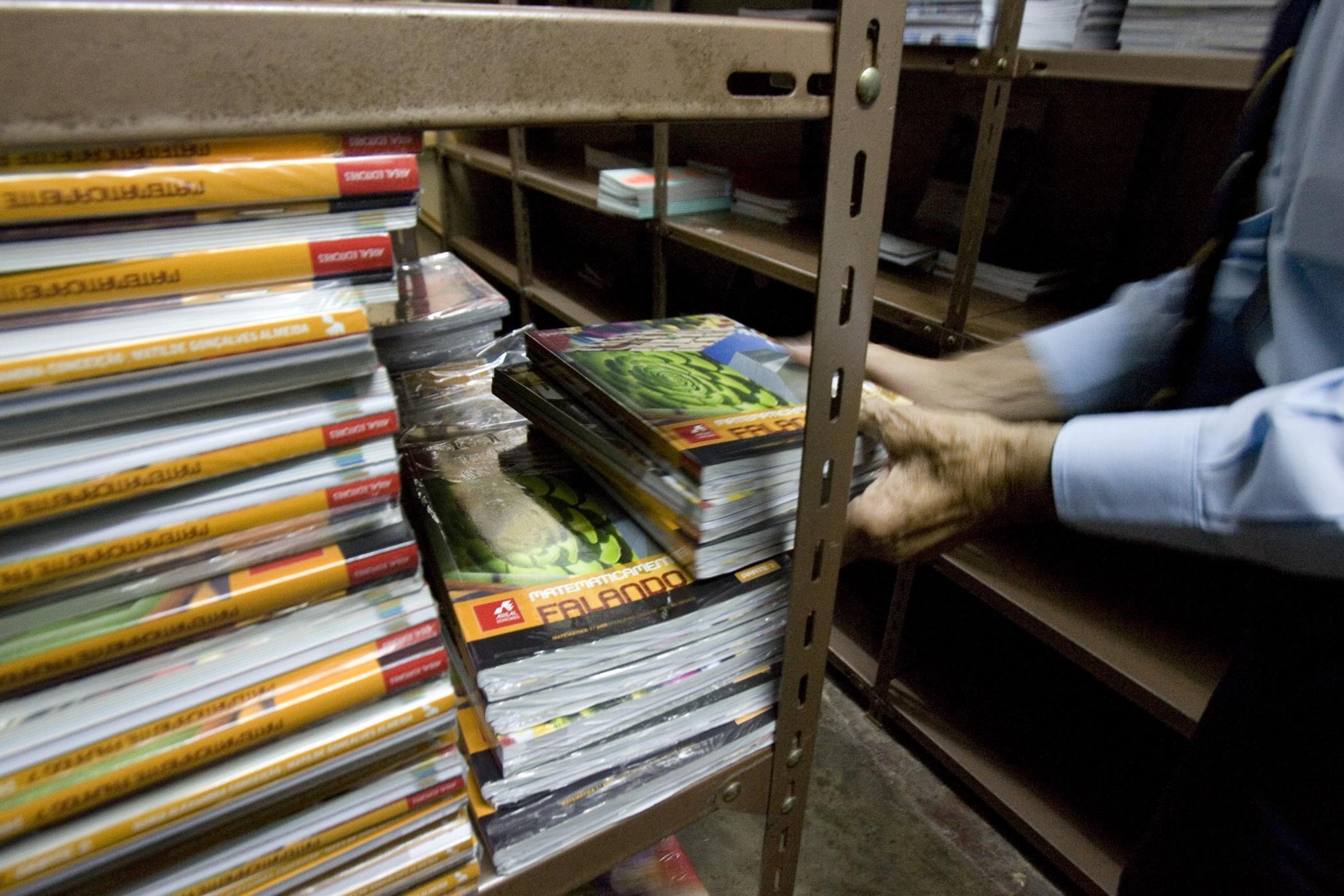 PÚBLICO - Manuais escolares sem alterações no próximo ano