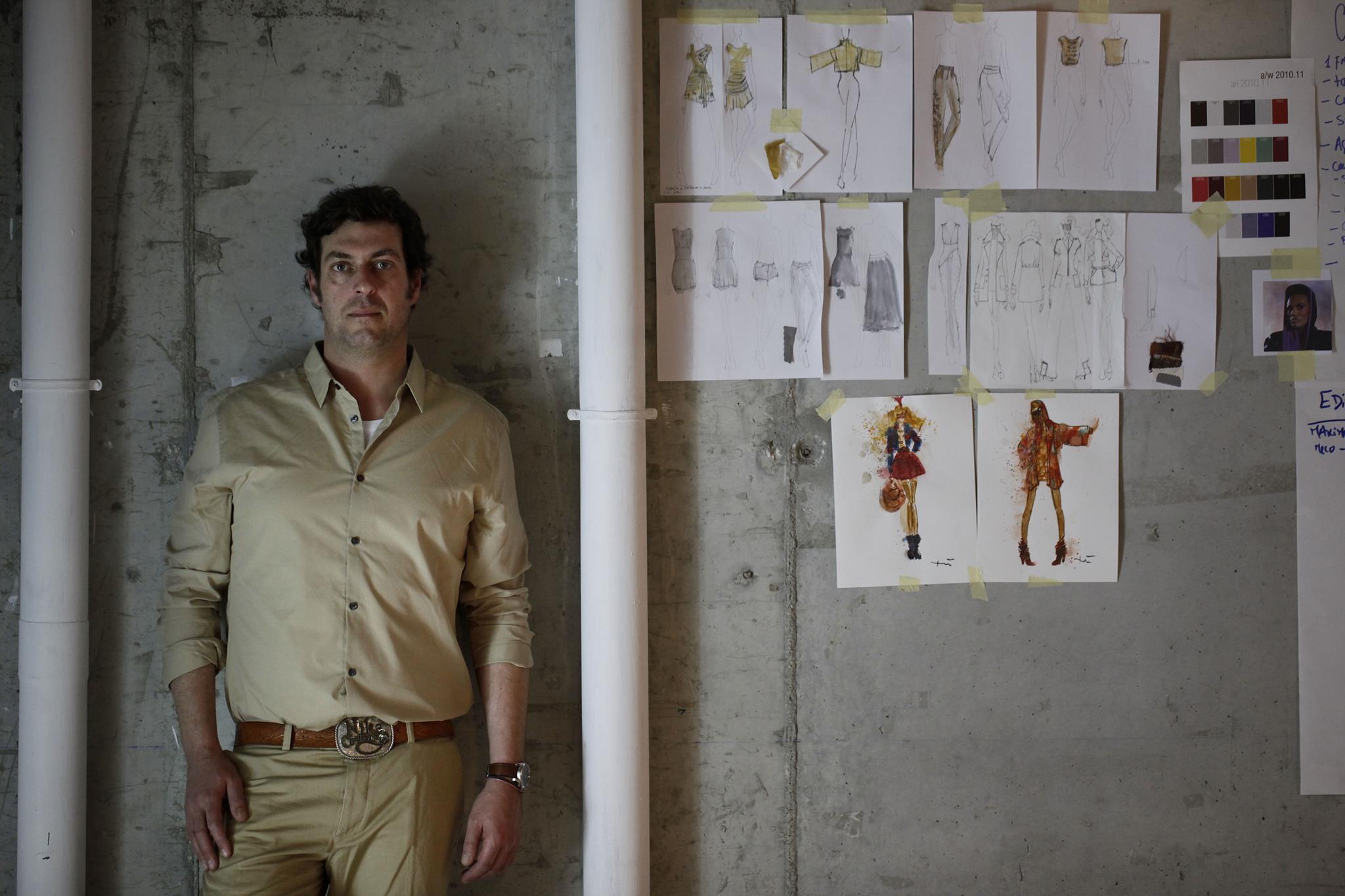 """PÚBLICO - Ricardo Preto: de designer de atelier a """"designer que controla a indústria têxtil"""""""