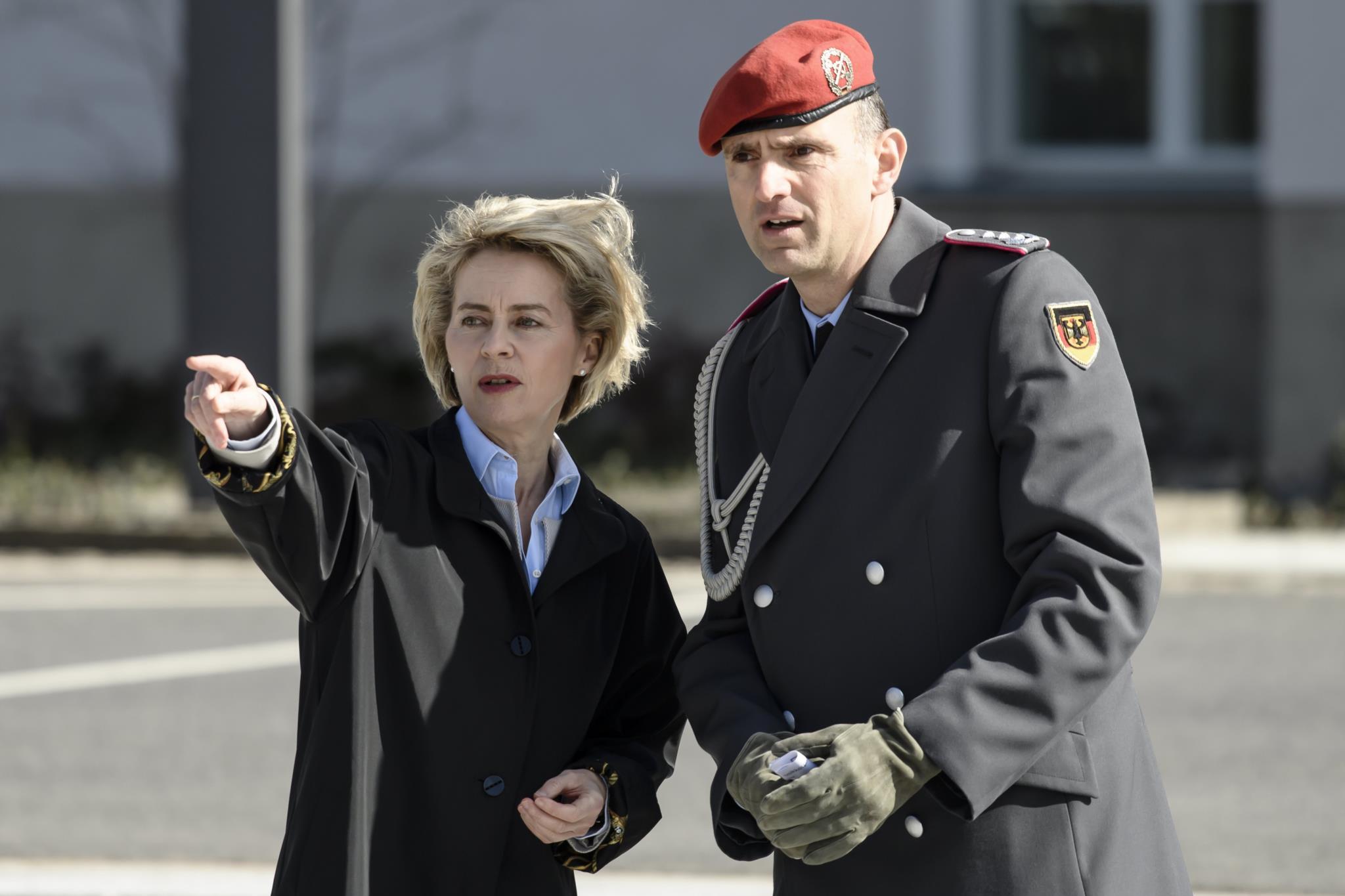 A ministra alemã da defesa desmentiu Donald Trump