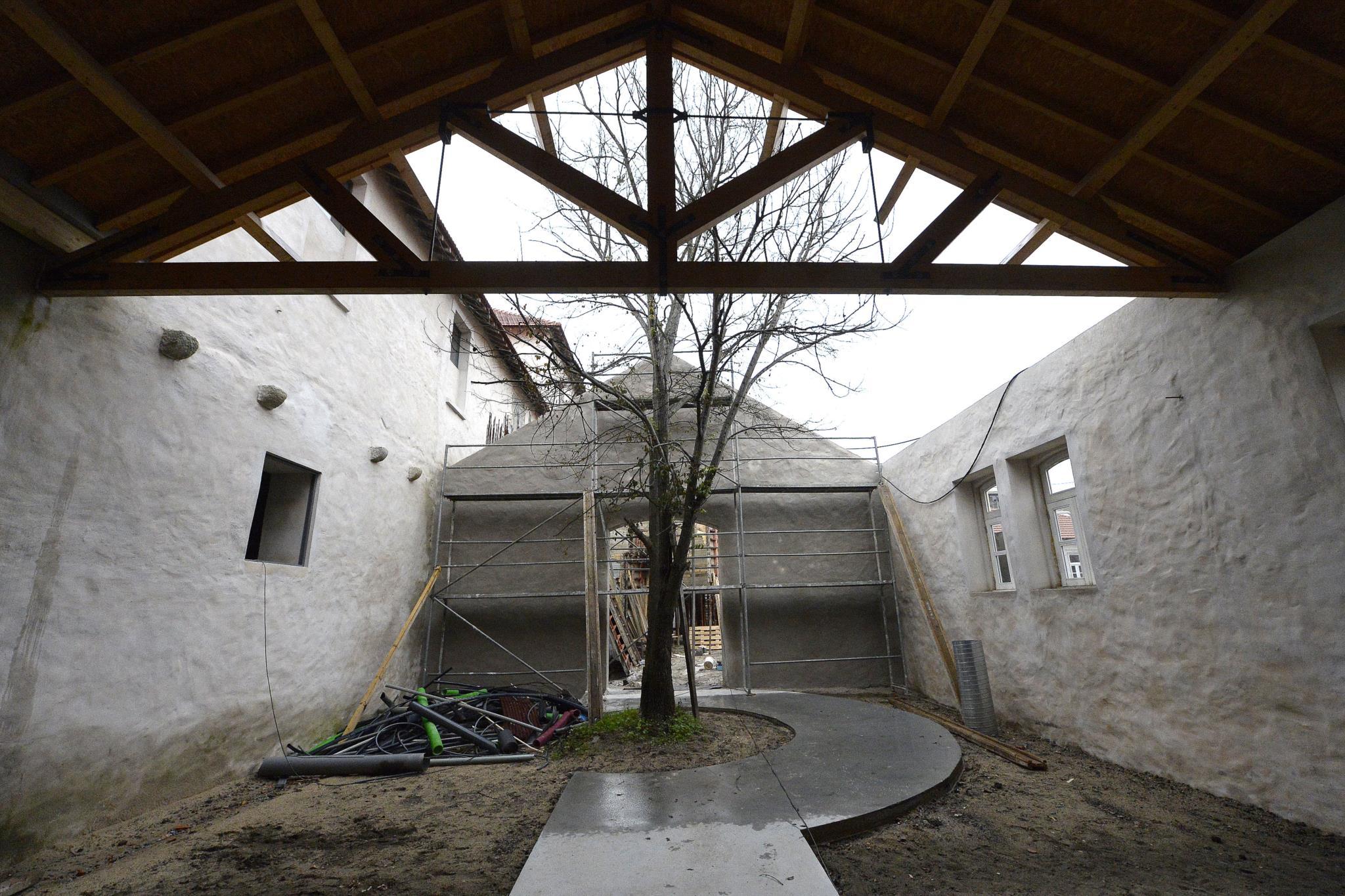 PÚBLICO - Casa da Arquitectura adia inauguração para Outubro