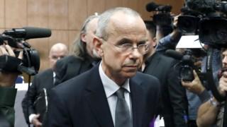 Günter Lubitz à chegada da conferência de imprensa desta sexta-feira