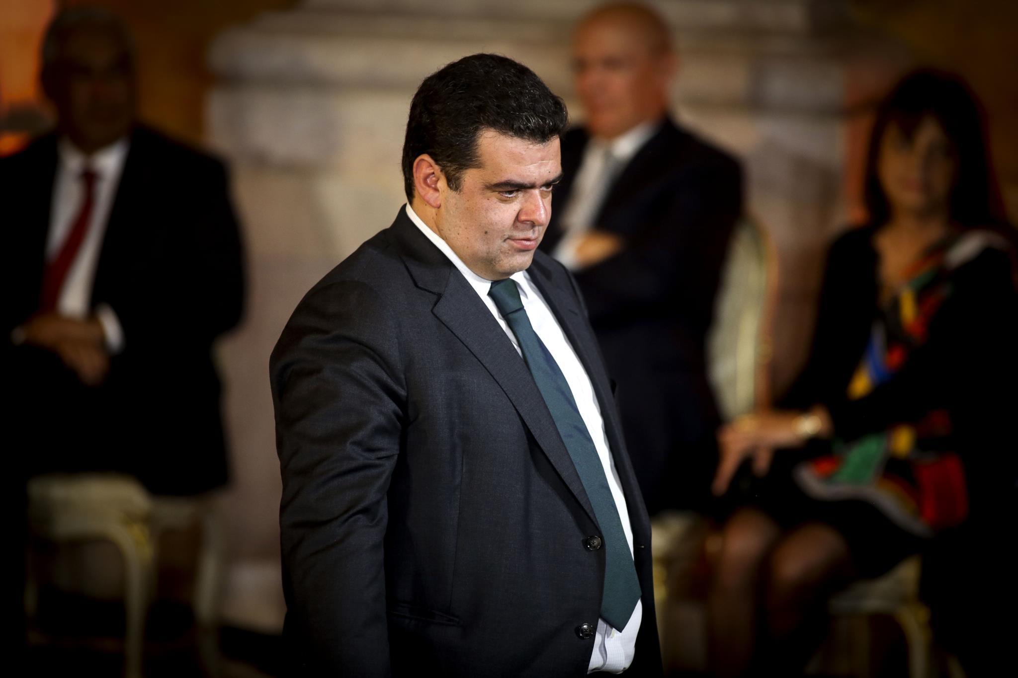 PÚBLICO - Fisco quer deixar divorciados dividir filhos no IRS