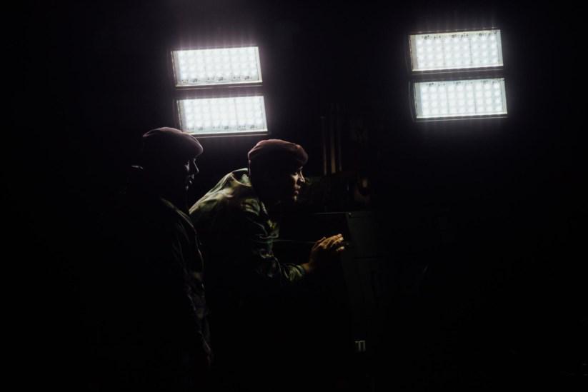 Comandos na noite da partida de contigente para a missão internacional de paz na República Centro-Africana em Janeiro deste ano