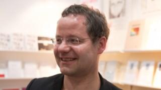 Viktor Kalinke é o proprietário da pequena editora independente Leipziger Literaturverlag