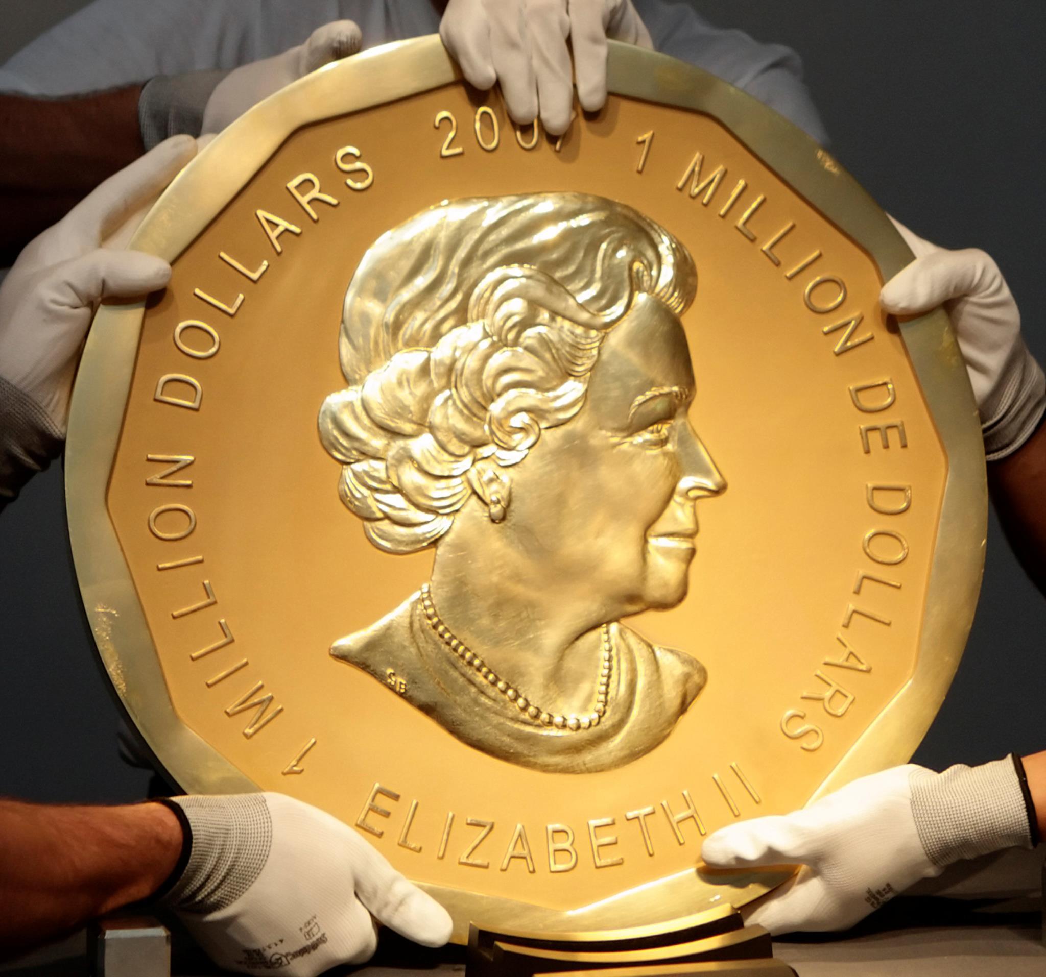 PÚBLICO - Moeda de quase quatro milhões de euros roubada de museu em Berlim