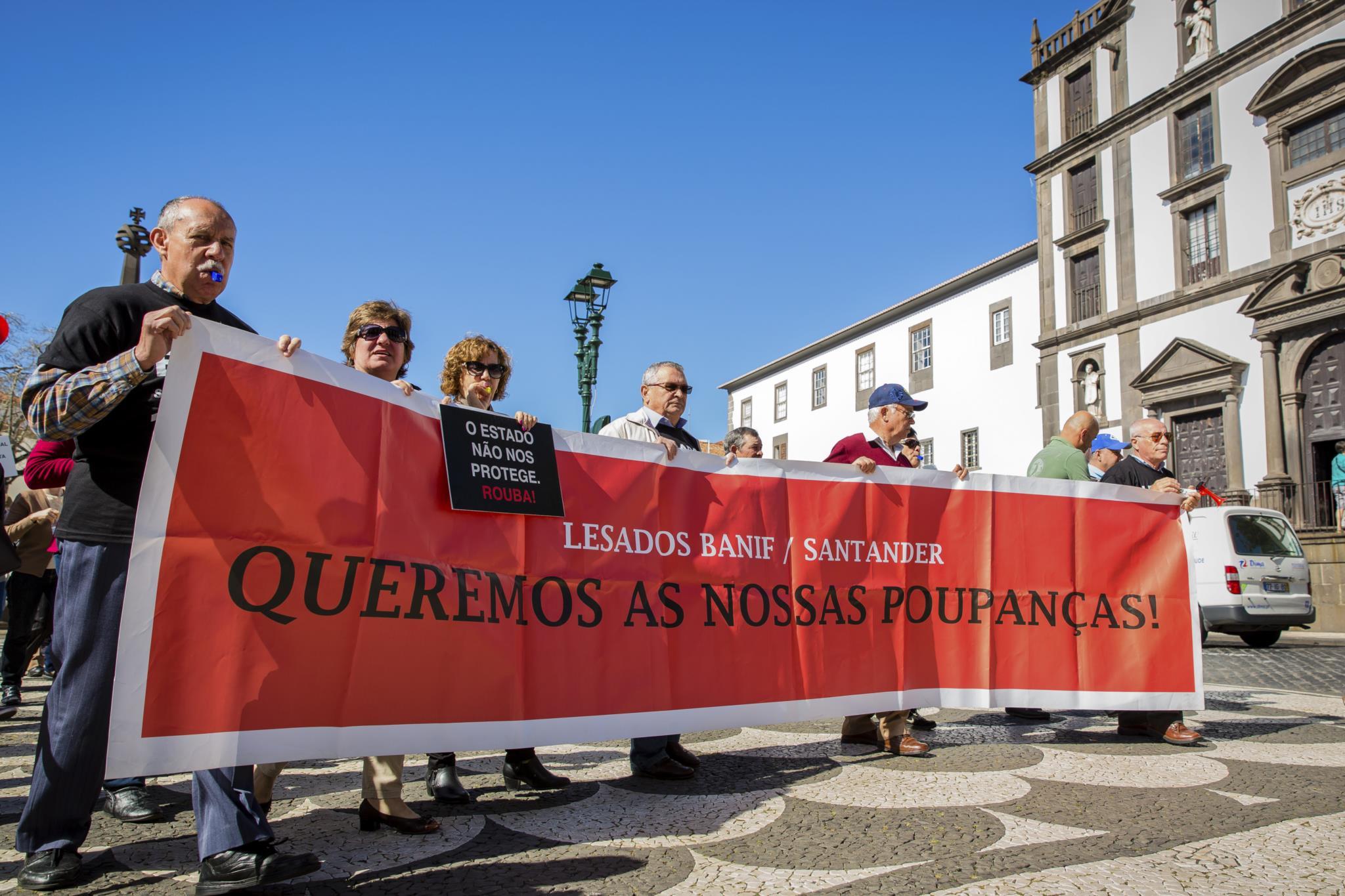 Lei procura evitar novos casos de lesados na banca portuguesa.