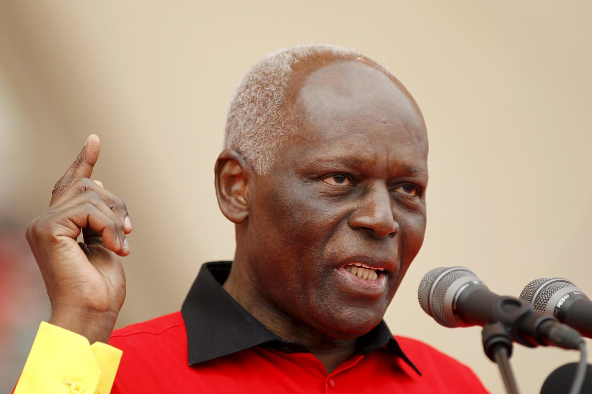 PÚBLICO - Angolanos escolhem sucessor de José Eduardo dos Santos a 23 de Agosto