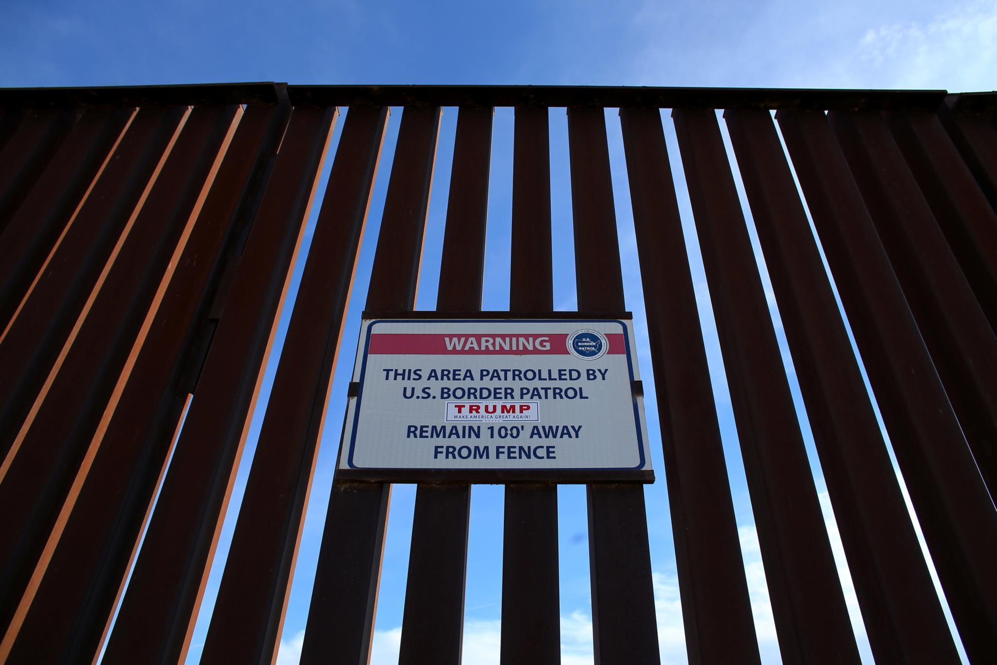 PÚBLICO - Trump arrisca paralisar o Governo para construir o muro na fronteira