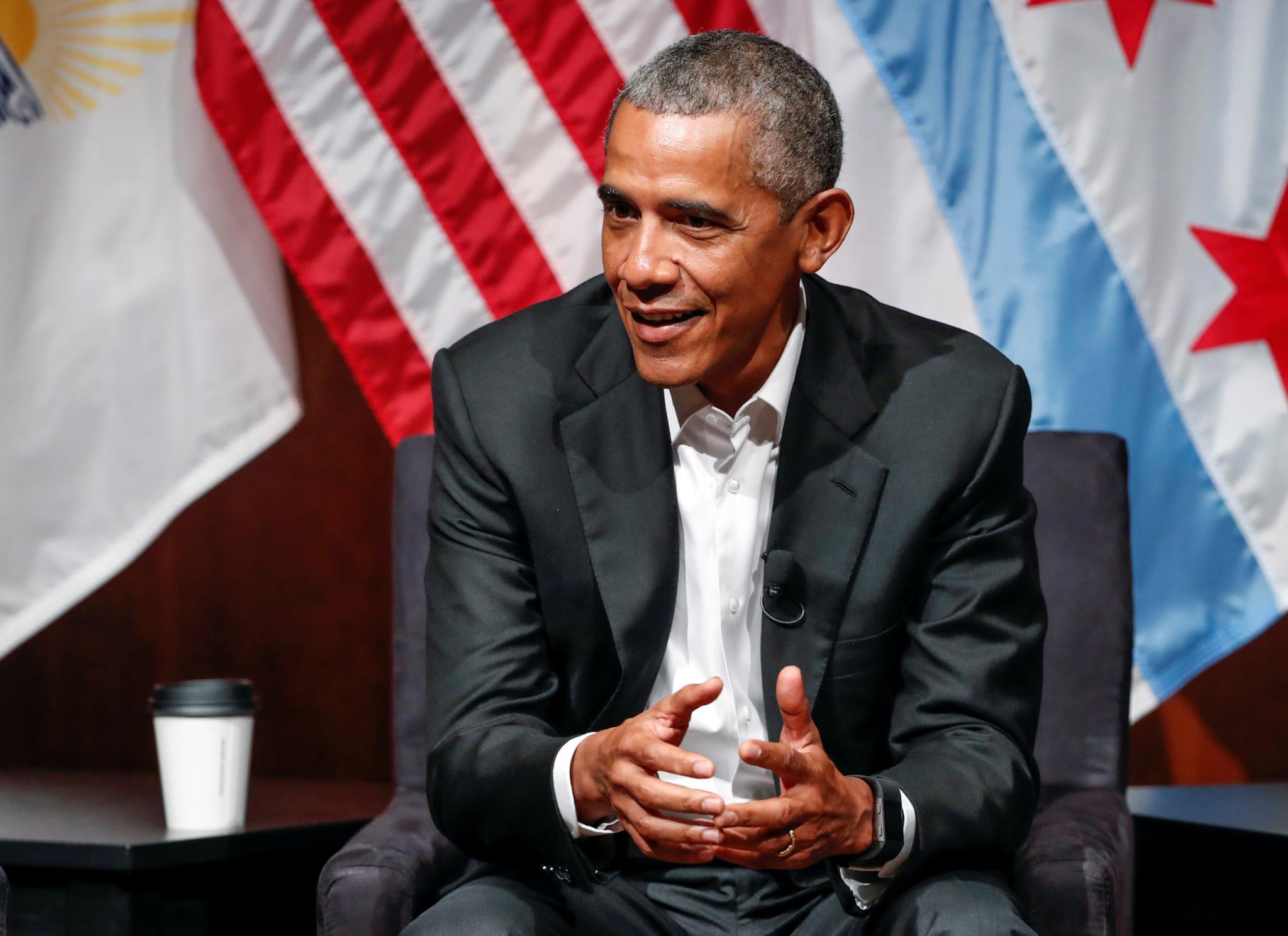 PÚBLICO - Obama regressa para chamar os jovens à política e recomenda cuidado com as <i>selfies</i>