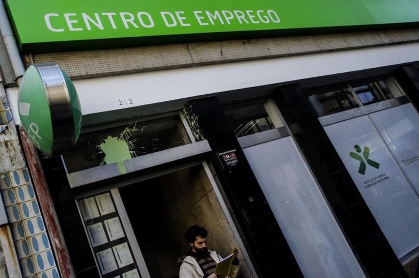 PÚBLICO - Novas regras ainda não chegam a todos os desempregados
