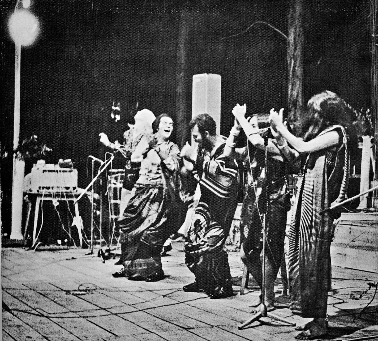 PÚBLICO - Vamos reencontrar o histórico <i>Blackground</i> do Duo Ouro Negro