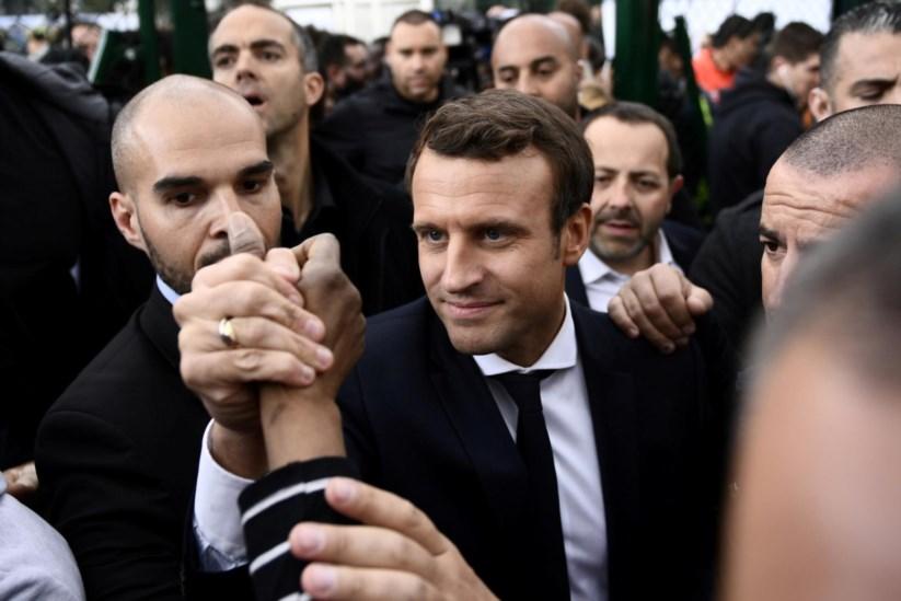 Sondagem dá vitória a Emmanuel Macron, com 59% dos votos