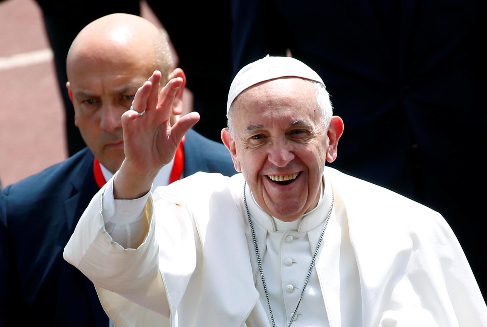 "PÚBLICO - Papa diz que o único ""fanatismo permitido por Deus é o da caridade"""
