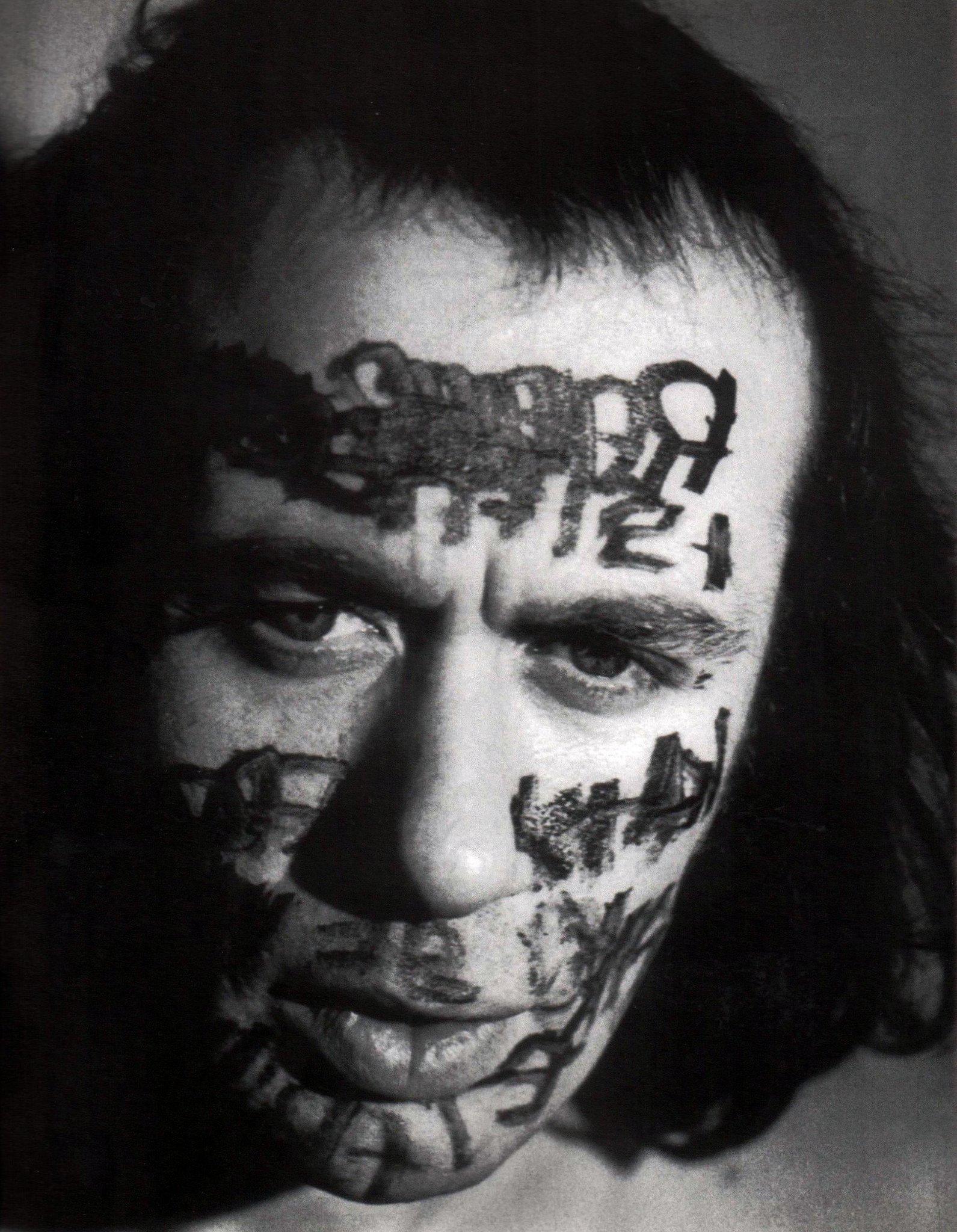 PÚBLICO - Morreu Vito Acconci, o homem que fez da masturbação arte
