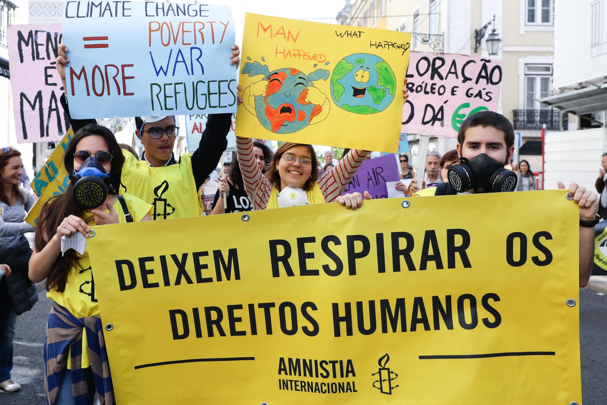 PÚBLICO - Marchar em defesa do clima e do ambiente