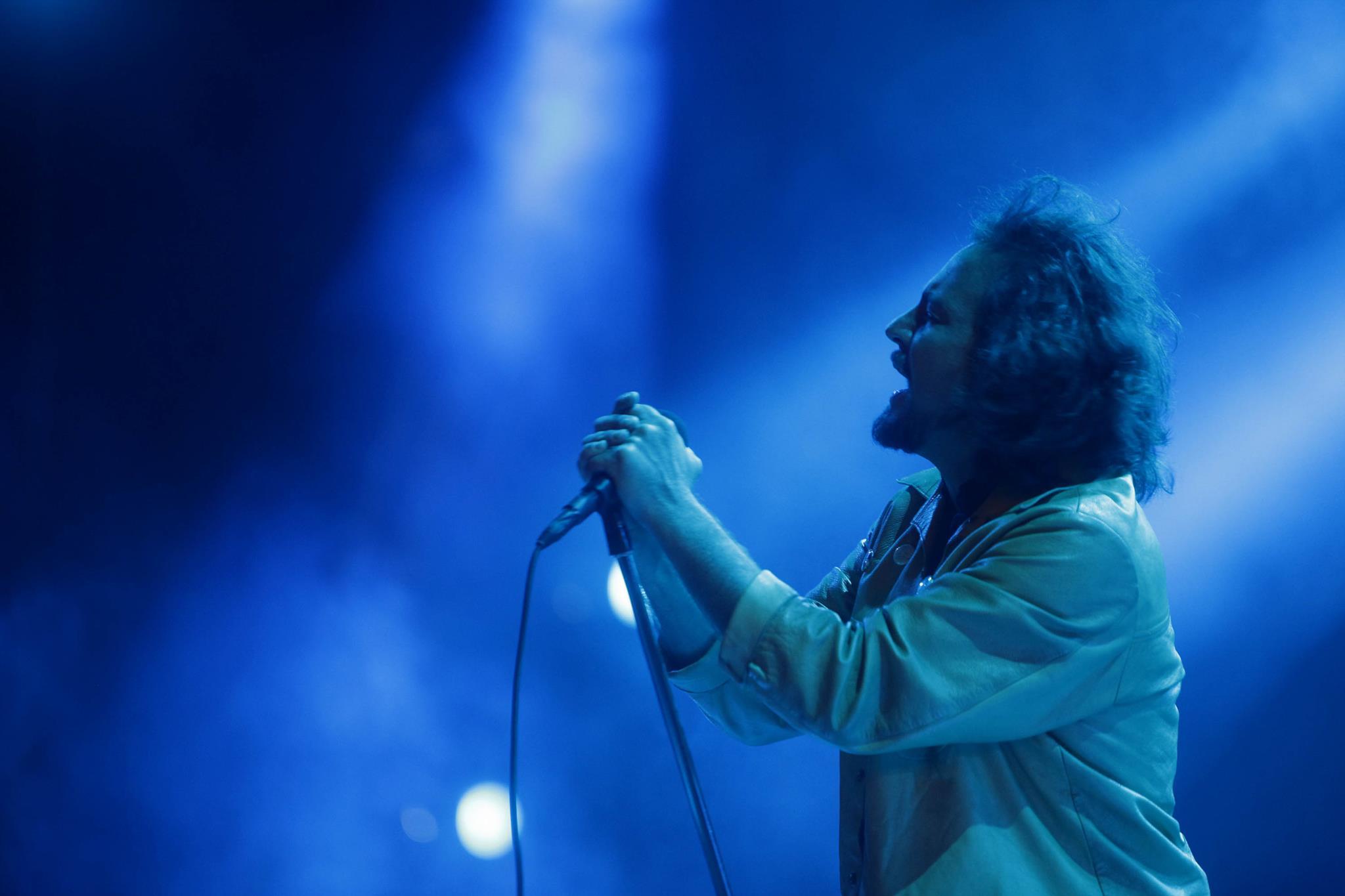 "PÚBLICO - Depois da morte de Chris Cornell: ""Já só resta Eddie Vedder. Deixem isso assentar."""