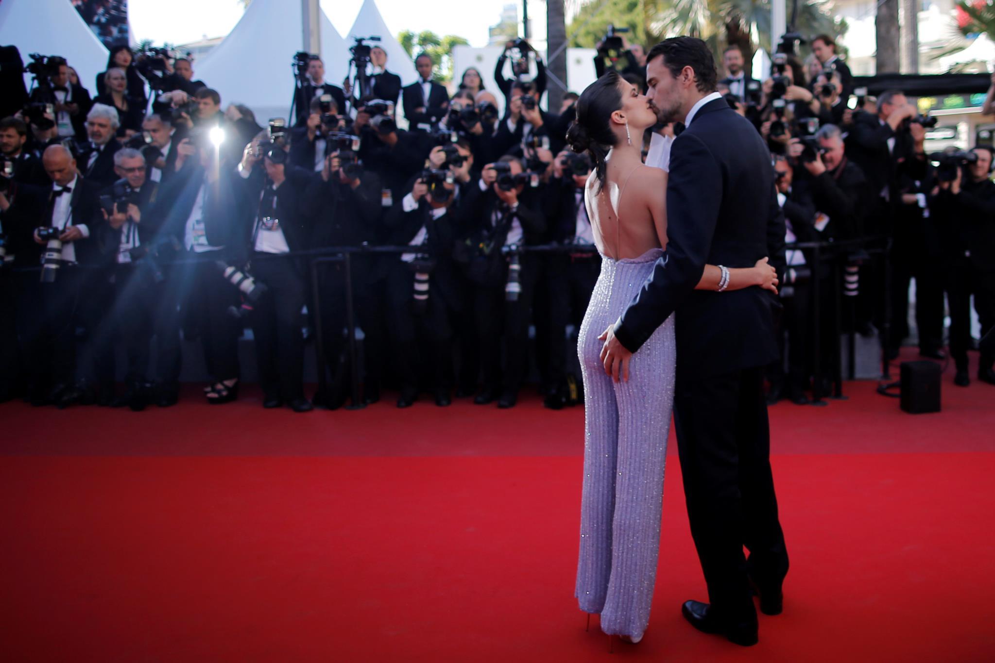 PÚBLICO - Sara Sampaio em Cannes: é assim que se faz