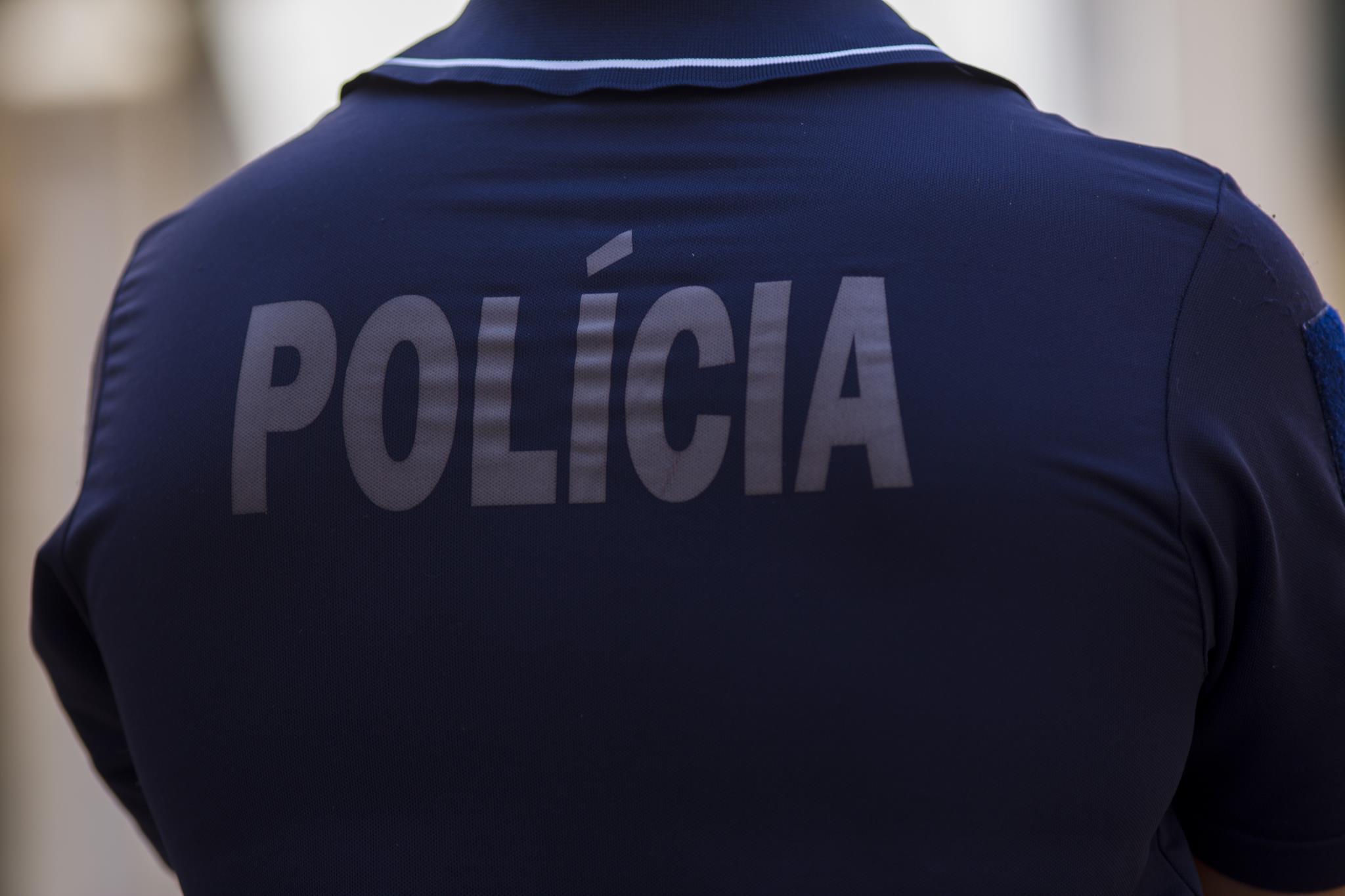 PÚBLICO - Trabalhador morre após queda em centro comercial de Portimão