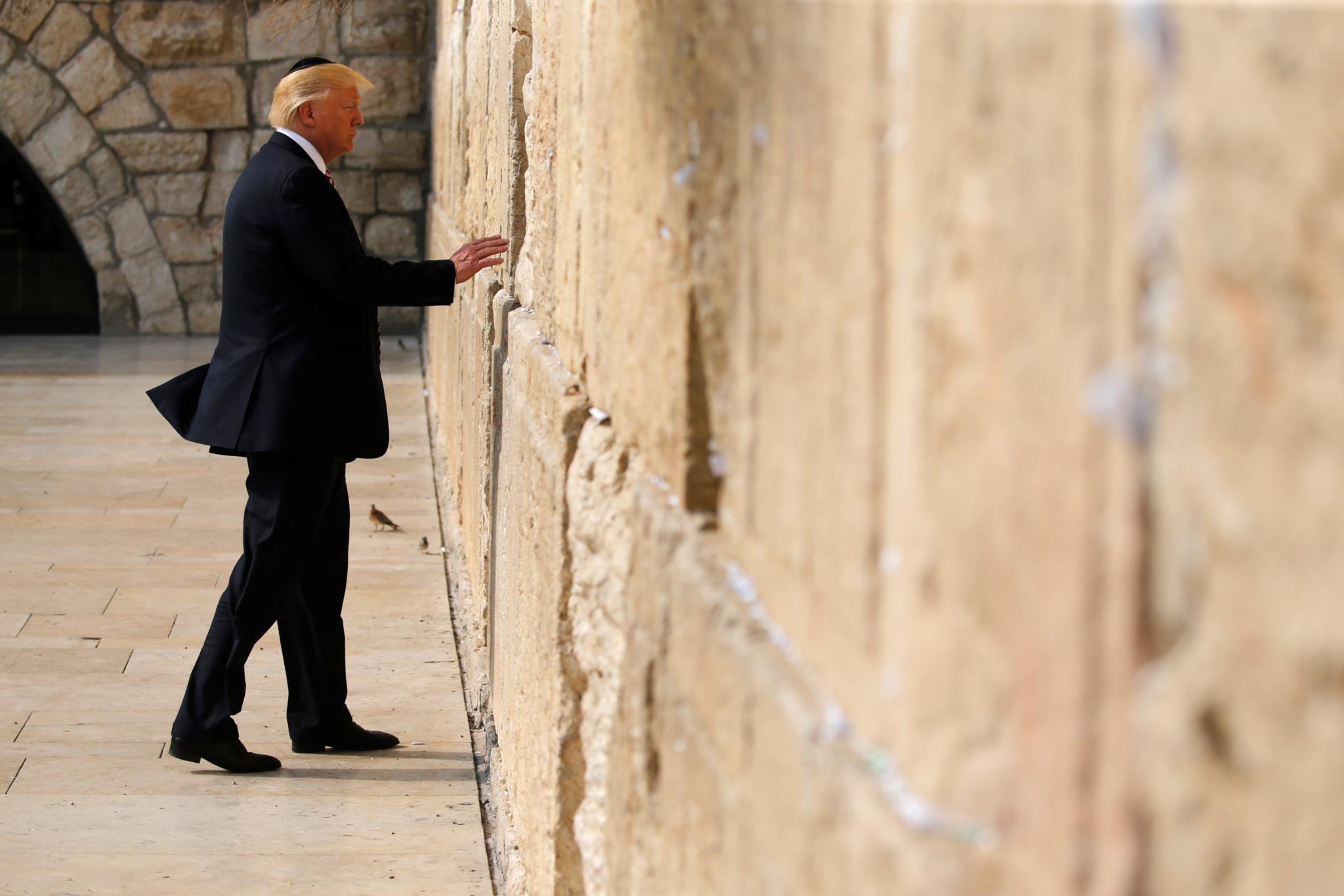"""PÚBLICO - Em Israel, Trump sublinha """"ameaça iraniana"""""""
