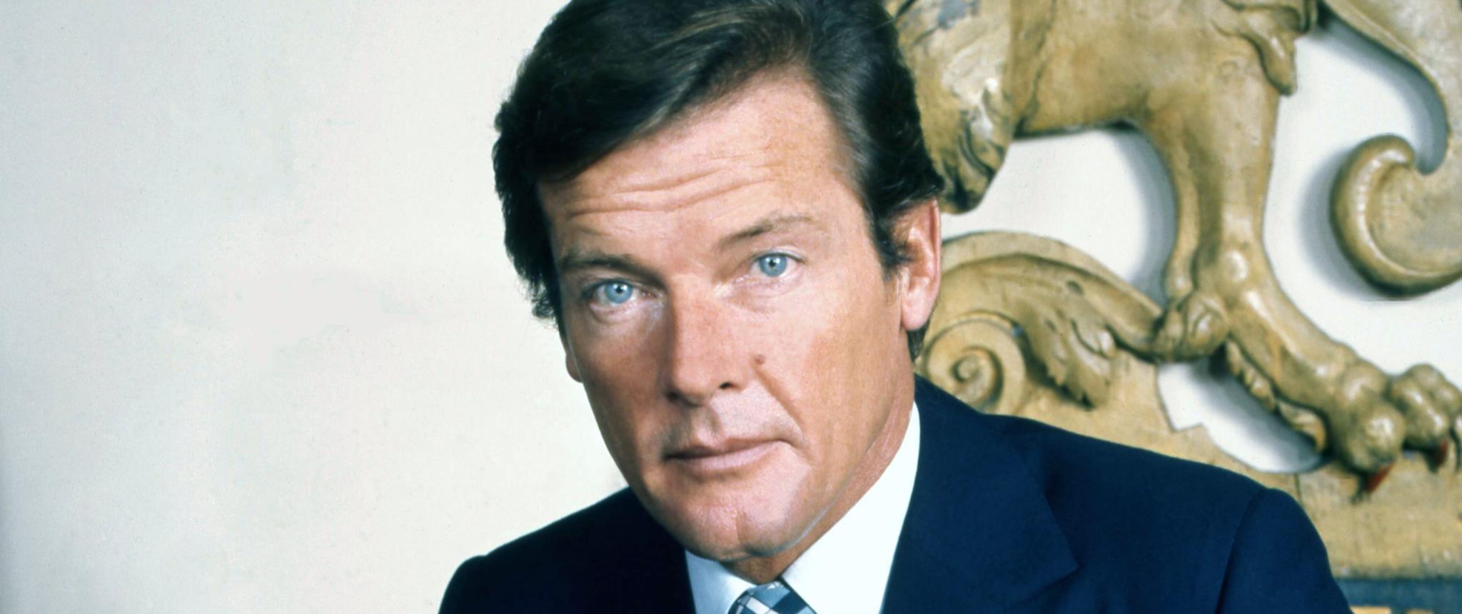 PÚBLICO - Morreu Roger Moore, o Santo que foi 007