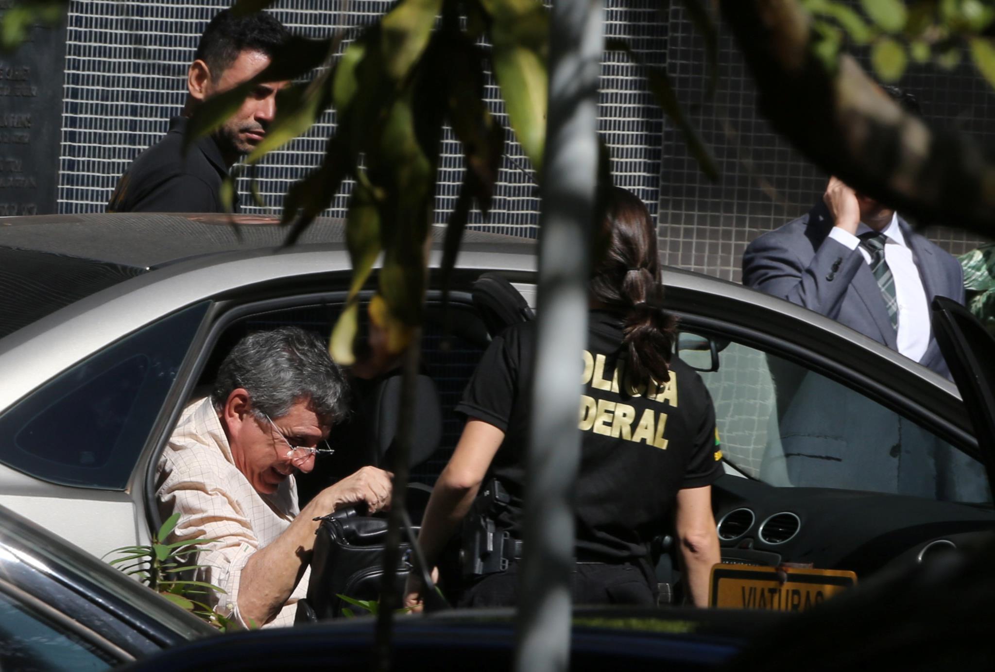 PÚBLICO - Assessor de Michel Temer preso por desvio de verbas