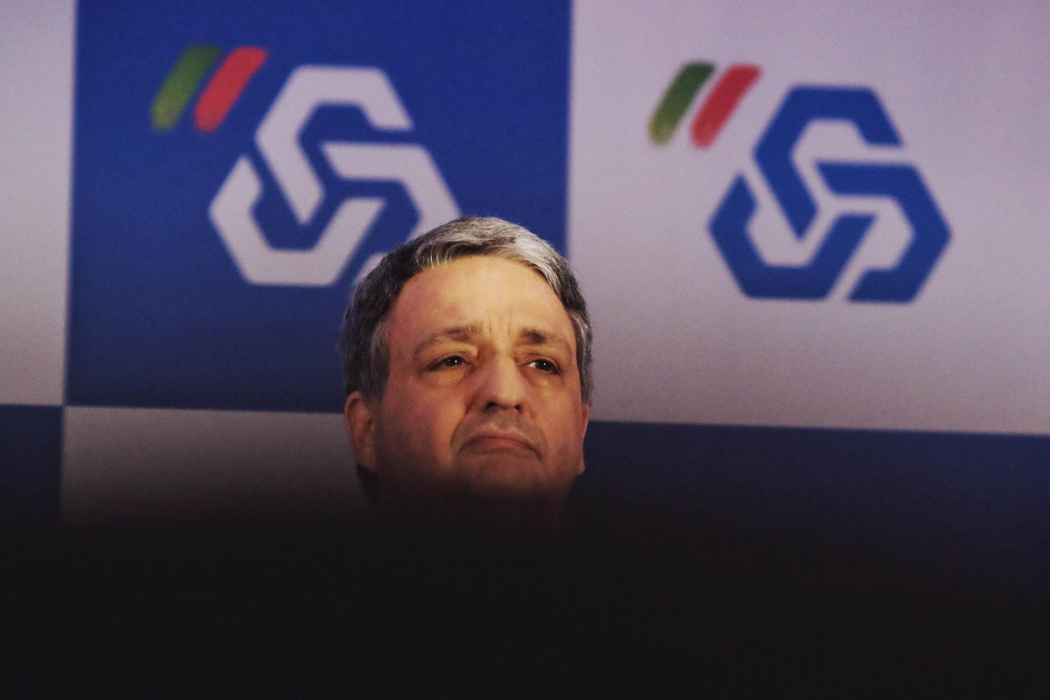"PÚBLICO - Paulo Macedo defende que banca portuguesa tem ""excesso de liquidez"""