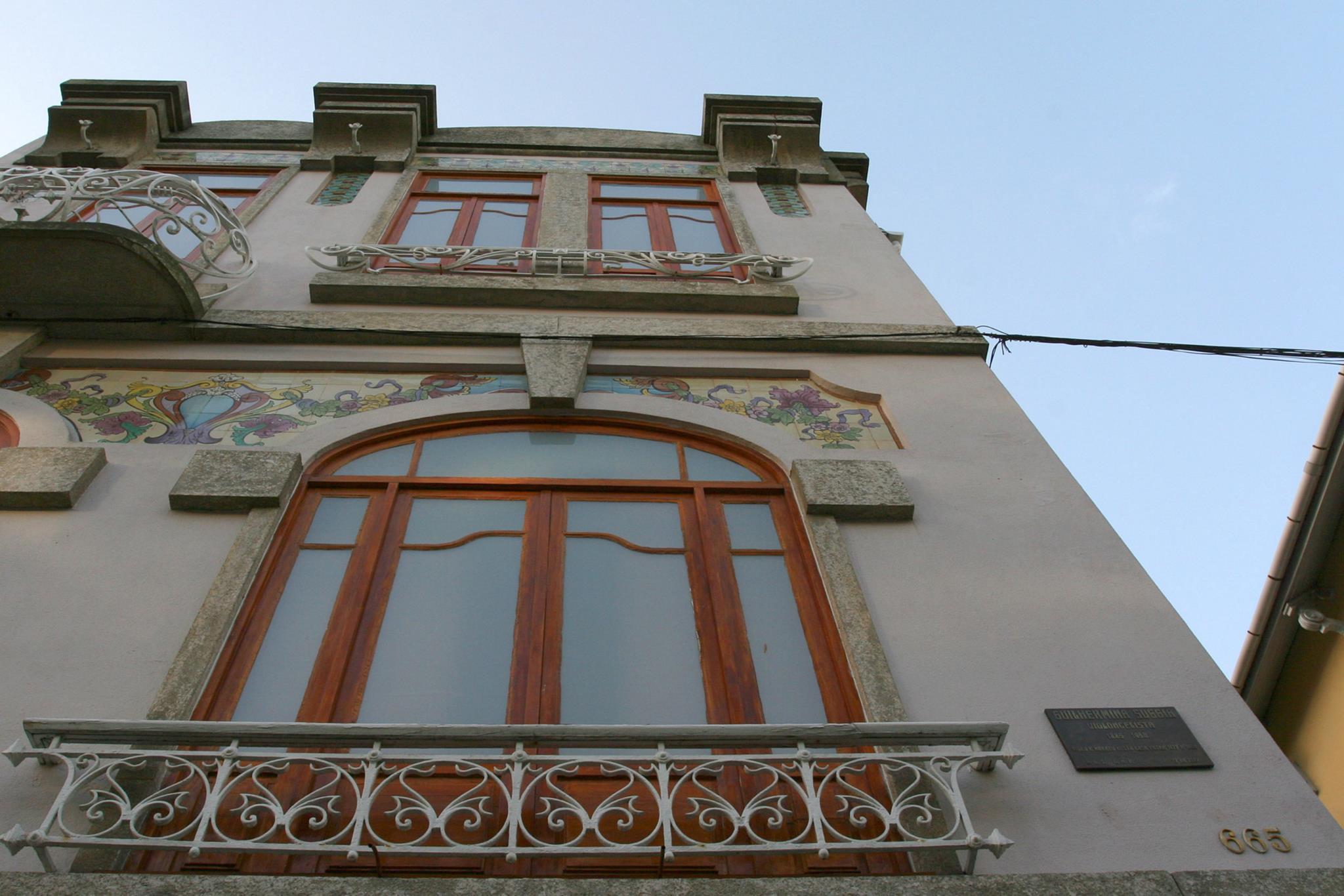 PÚBLICO - Cidadãos pedem classificação da casa onde nasceu Guilhermina Suggia, no Porto
