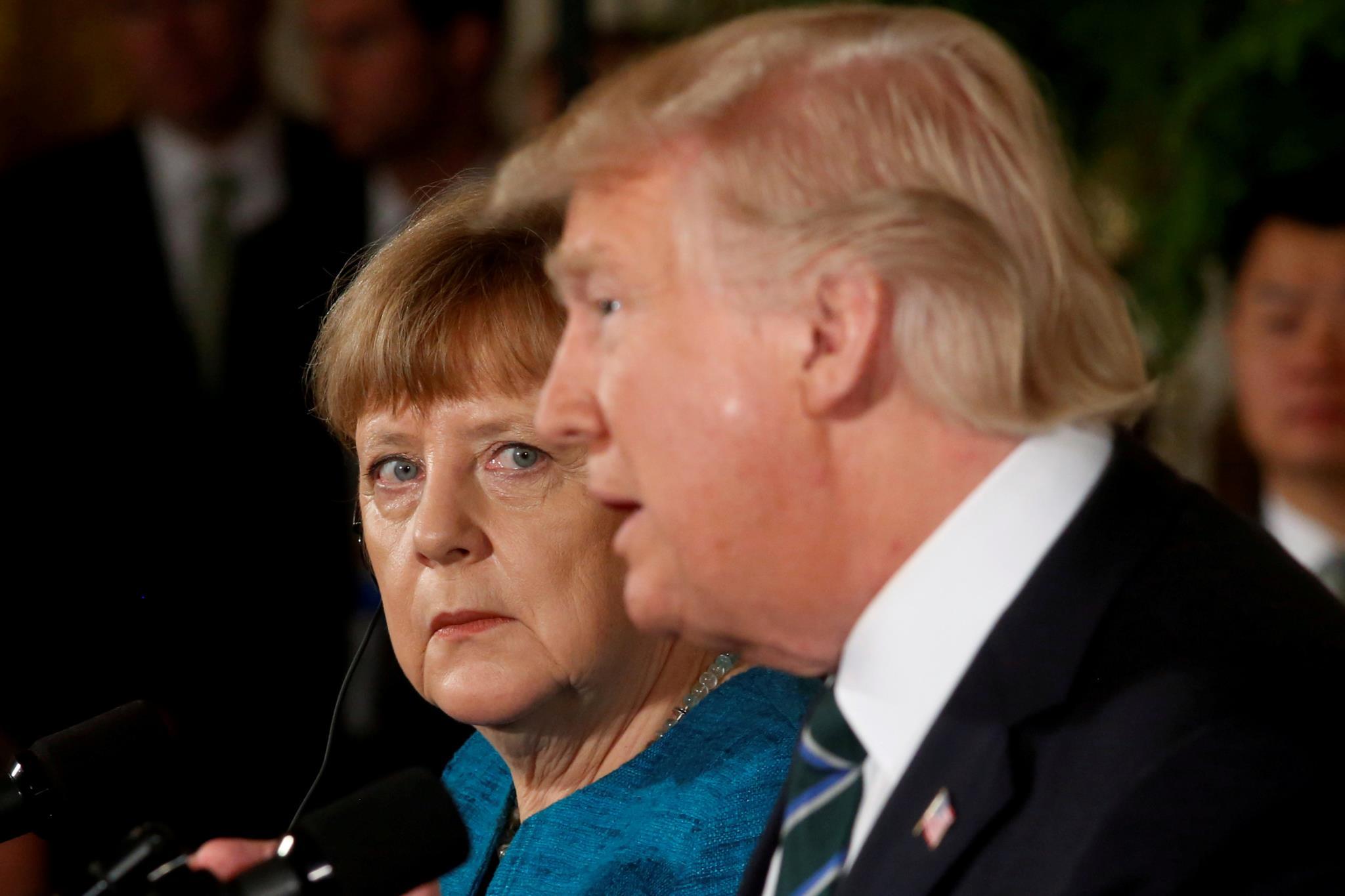 PÚBLICO - Merkel diz que já não se pode confiar nos aliados