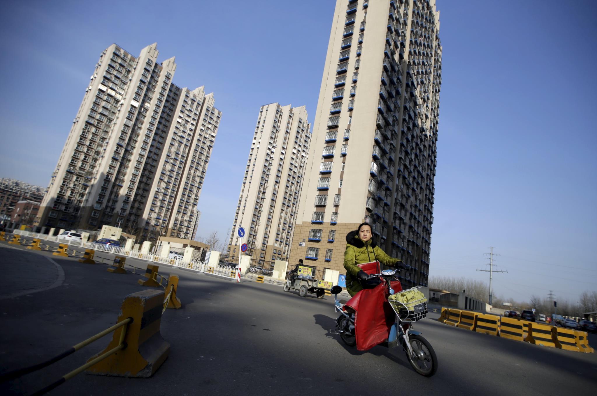 PÚBLICO - Temperatura nas cidades poderá aumentar oito graus centígrados até 2100