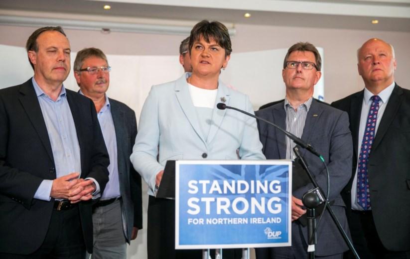 Arlene Foster, líder dos unionistas irlandeses, provável parceiro dos consevradores