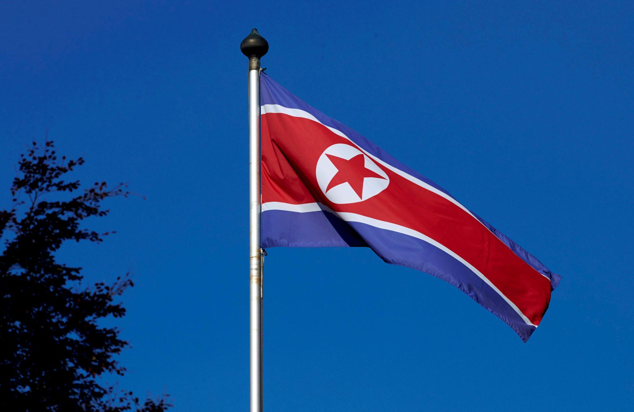 Coreia do Norte liberta estudante norte-americano