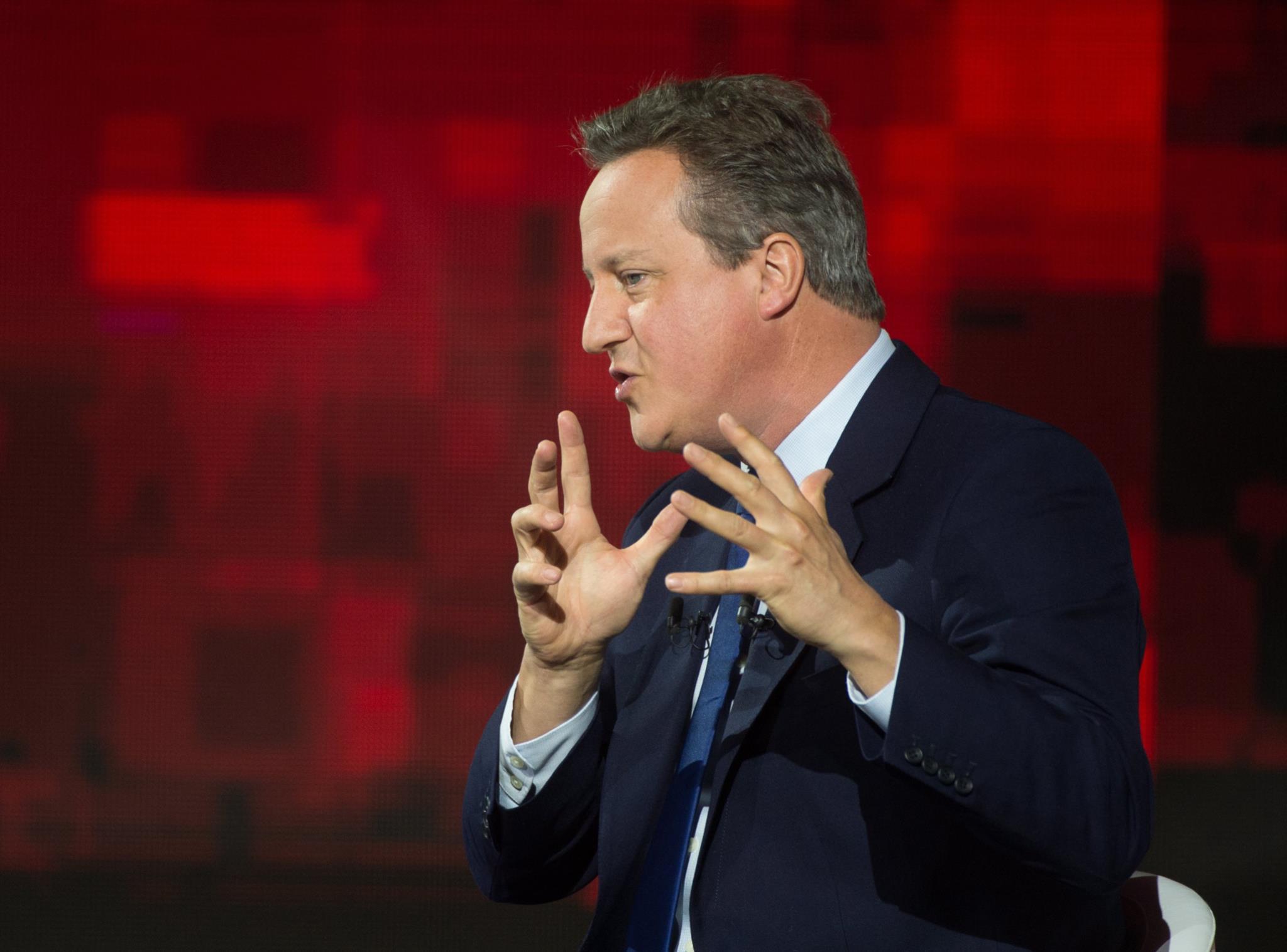 """Cameron chama a atenção para peso parlamentar da Escócia, que votou contra o """"Brexit"""""""