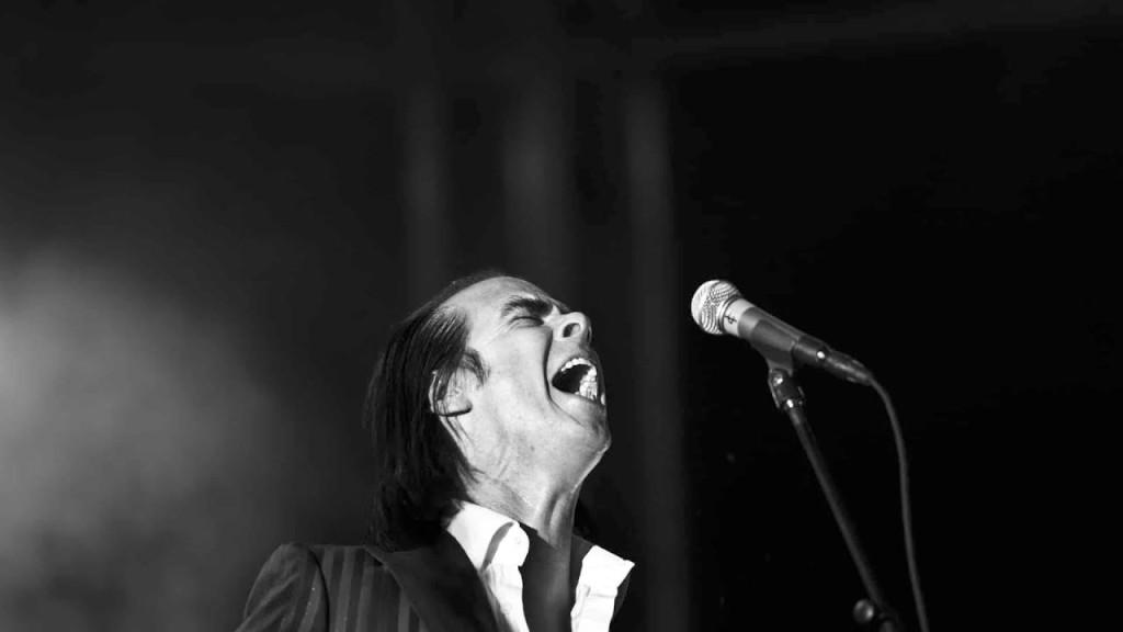 PÚBLICO - Nick Cave atira-se de braços abertos ao mundo