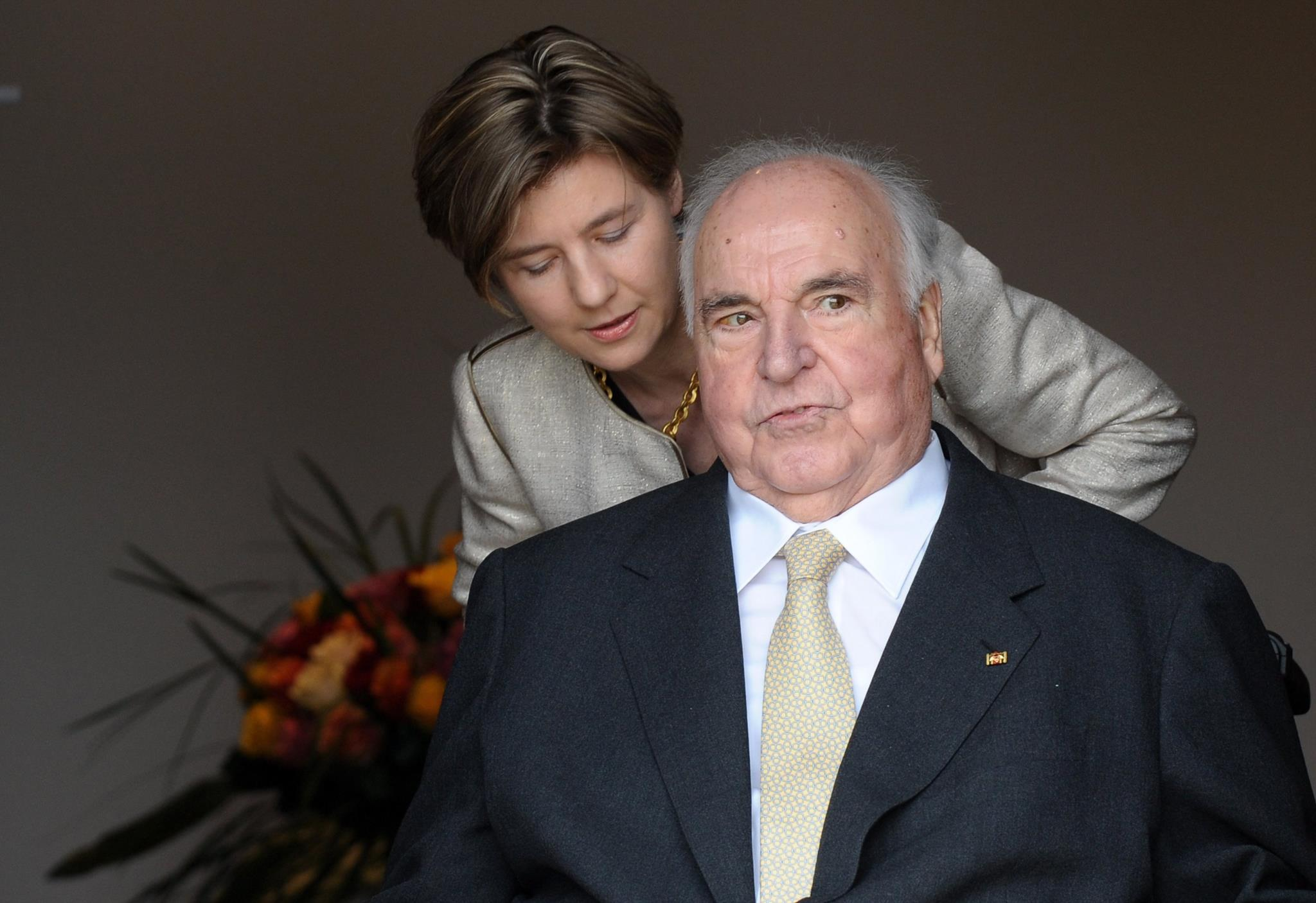 PÚBLICO - Viúva de Helmut Kohl queria Orbán, e não Merkel, a discursar no funeral