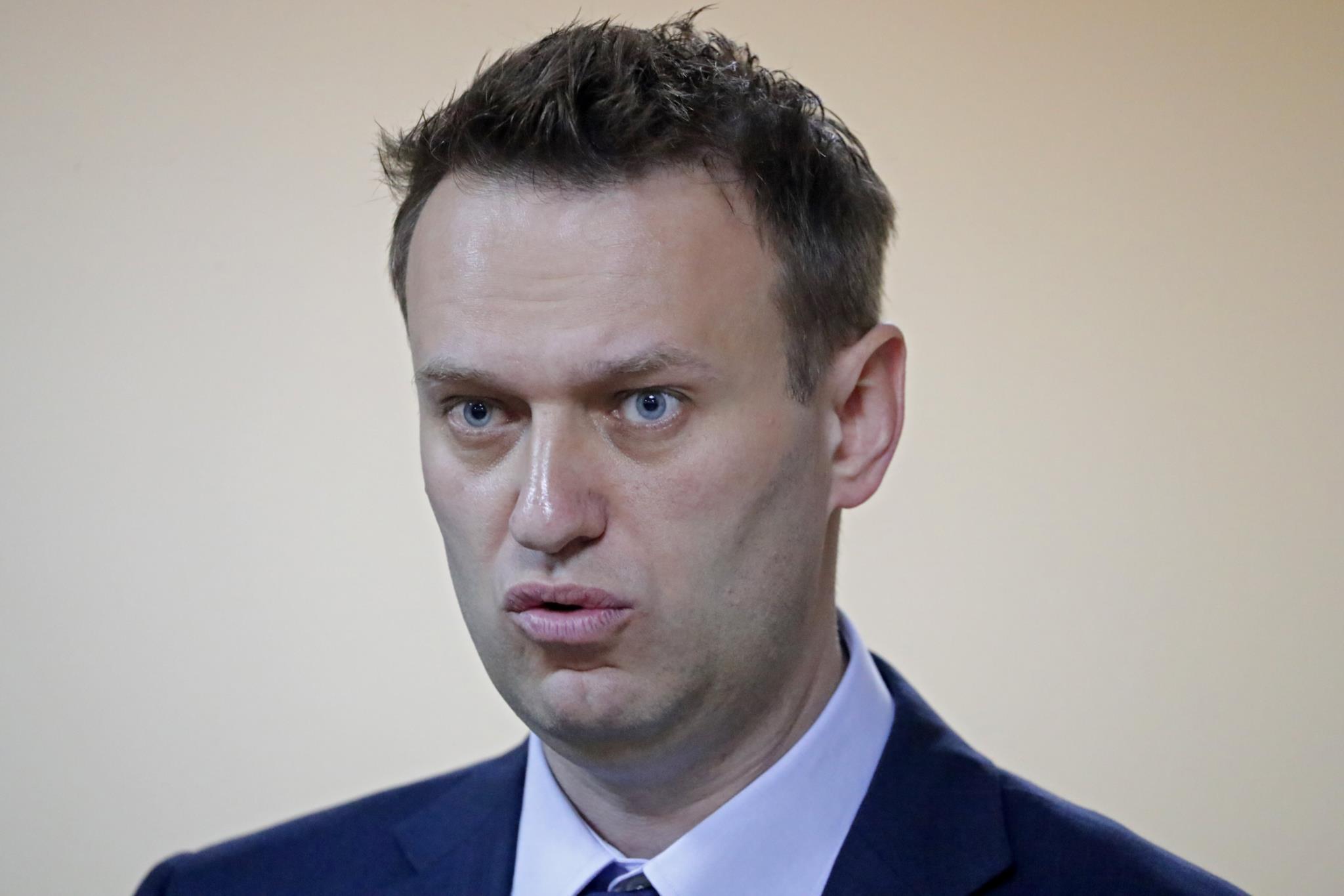 PÚBLICO - Navalni formalmente impedido de se candidatar contra Putin