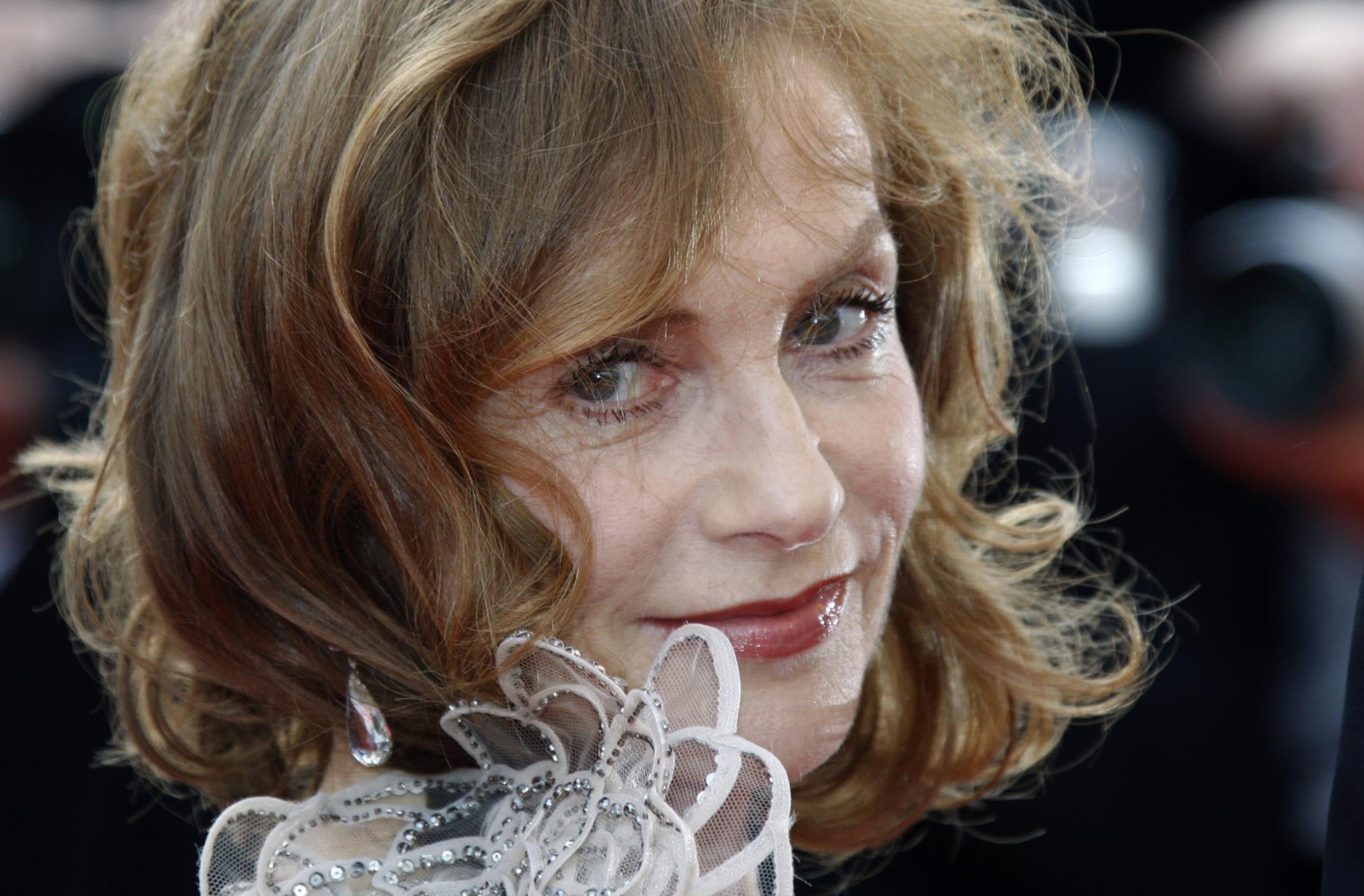 PÚBLICO - LEFFEST muda-se para Sintra com Isabelle Huppert a abrir a porta