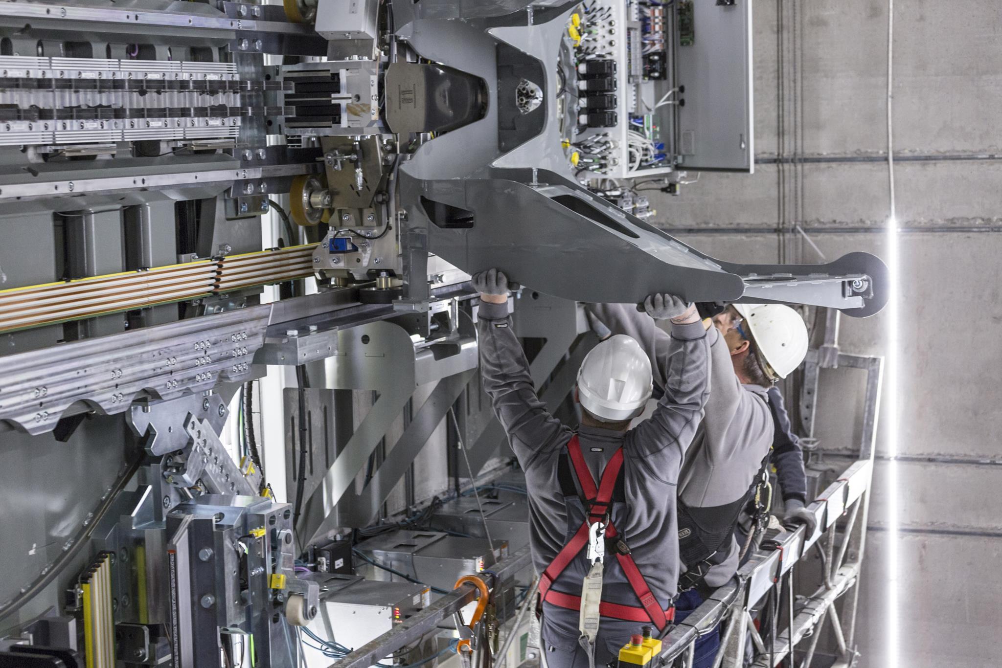 PÚBLICO - É um elevador que funciona como um comboio magnético na vertical