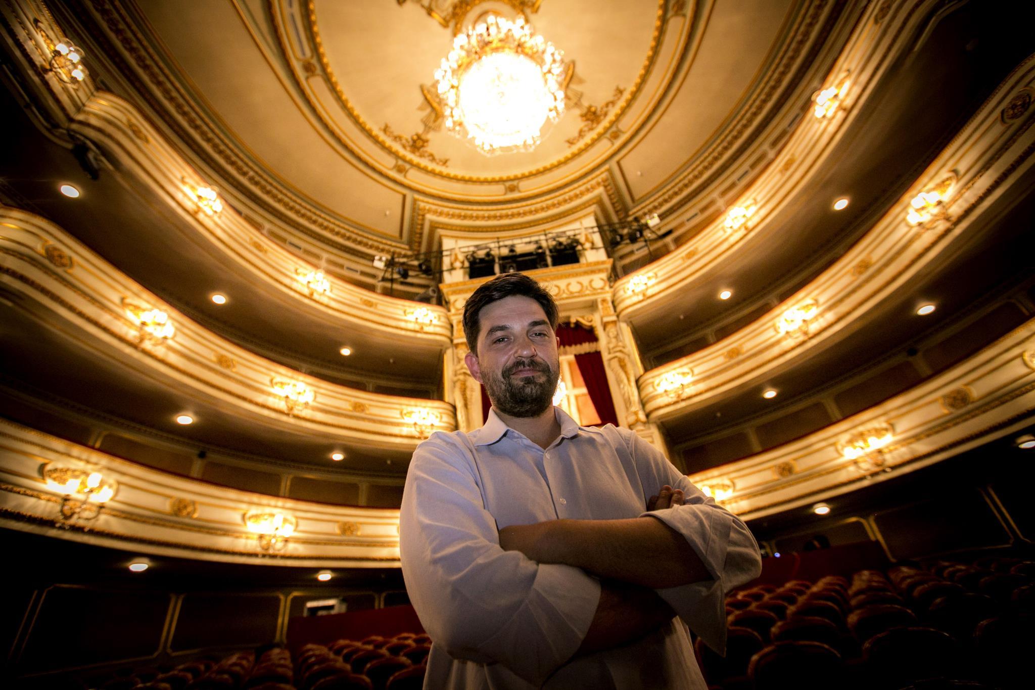 PÚBLICO - Tiago Rodrigues quer internacionalizar o D. Maria não apenas com as suas peças