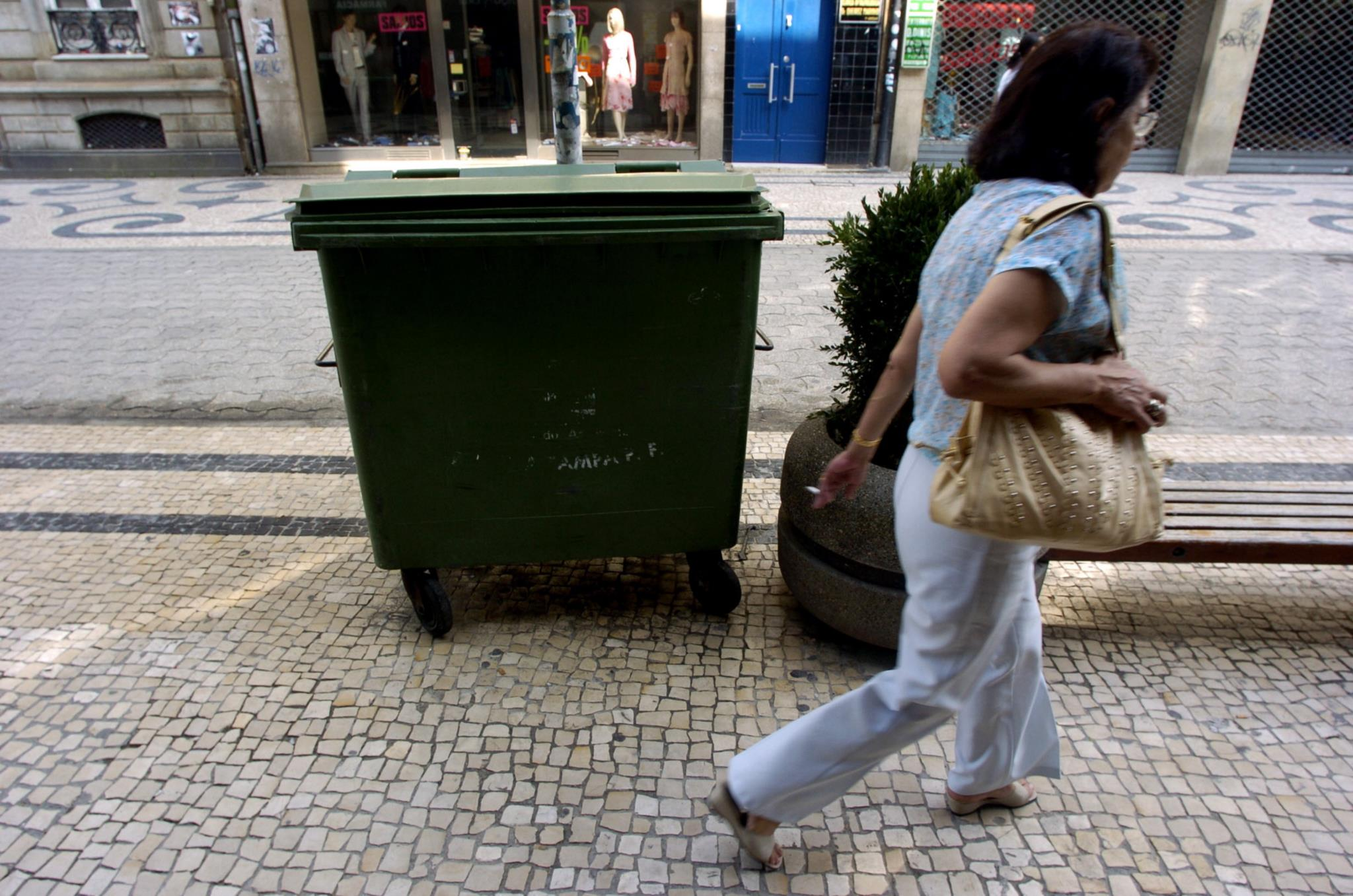 PÚBLICO - CDU teme que o caso <i>Ajuste Secreto</i> chegue à recolha de lixo no Porto