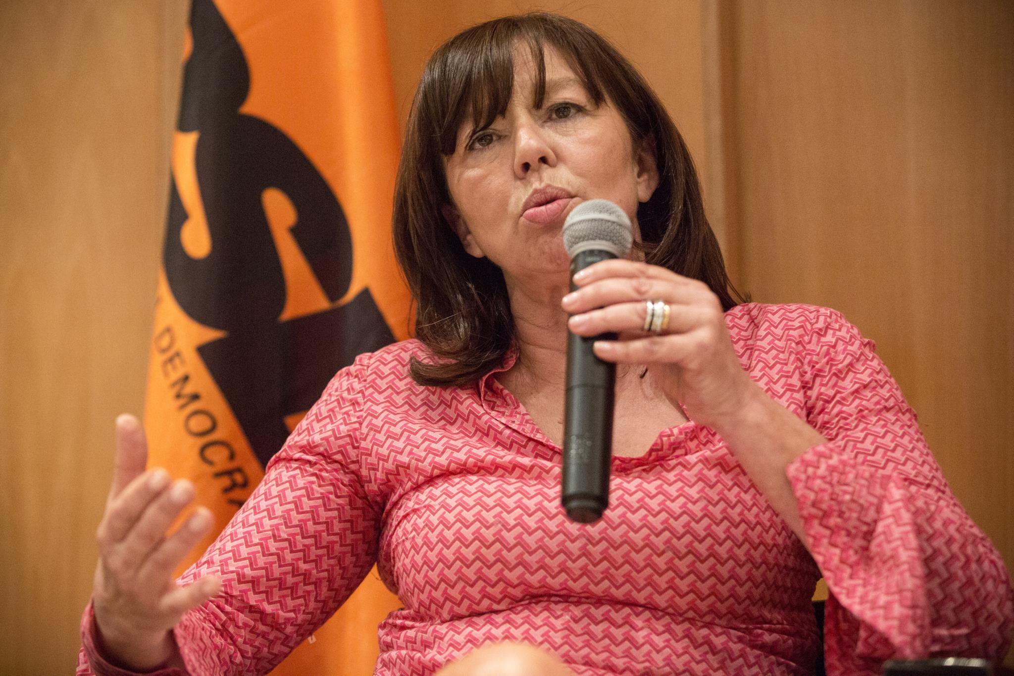 PÚBLICO - Teresa Leal Coelho insiste na concessão da Carris a privados