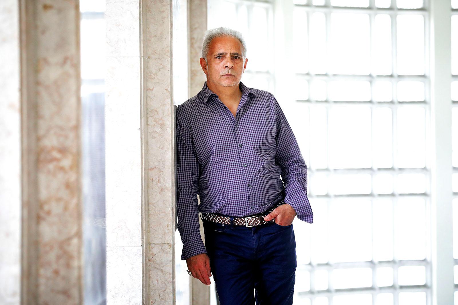 """PÚBLICO - Hanif Kureishi: """"Sou um velhote e continuo difícil"""""""