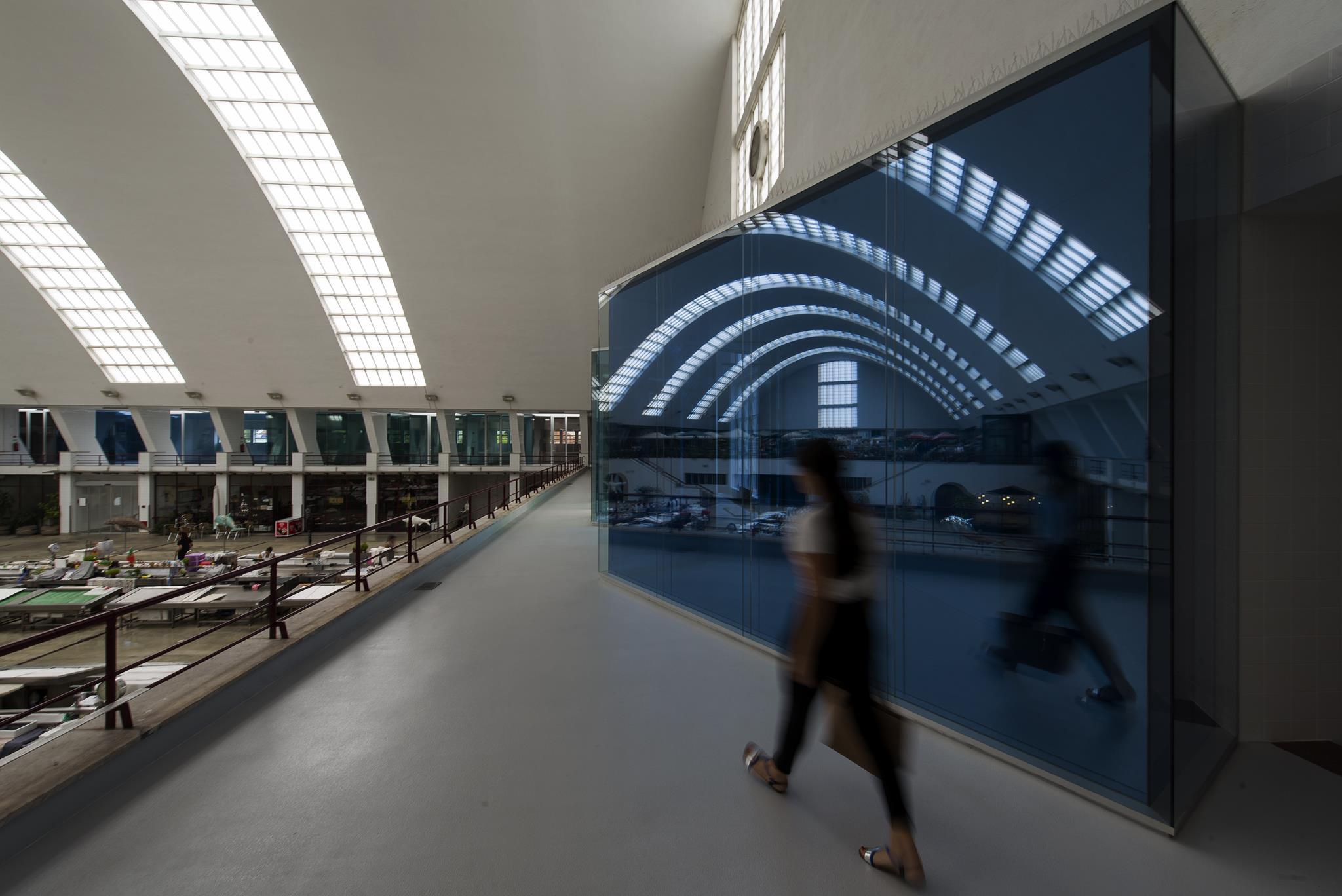 PÚBLICO - O design dos <I>millennials</I> e dos velhos-jovens na nova bienal do Porto