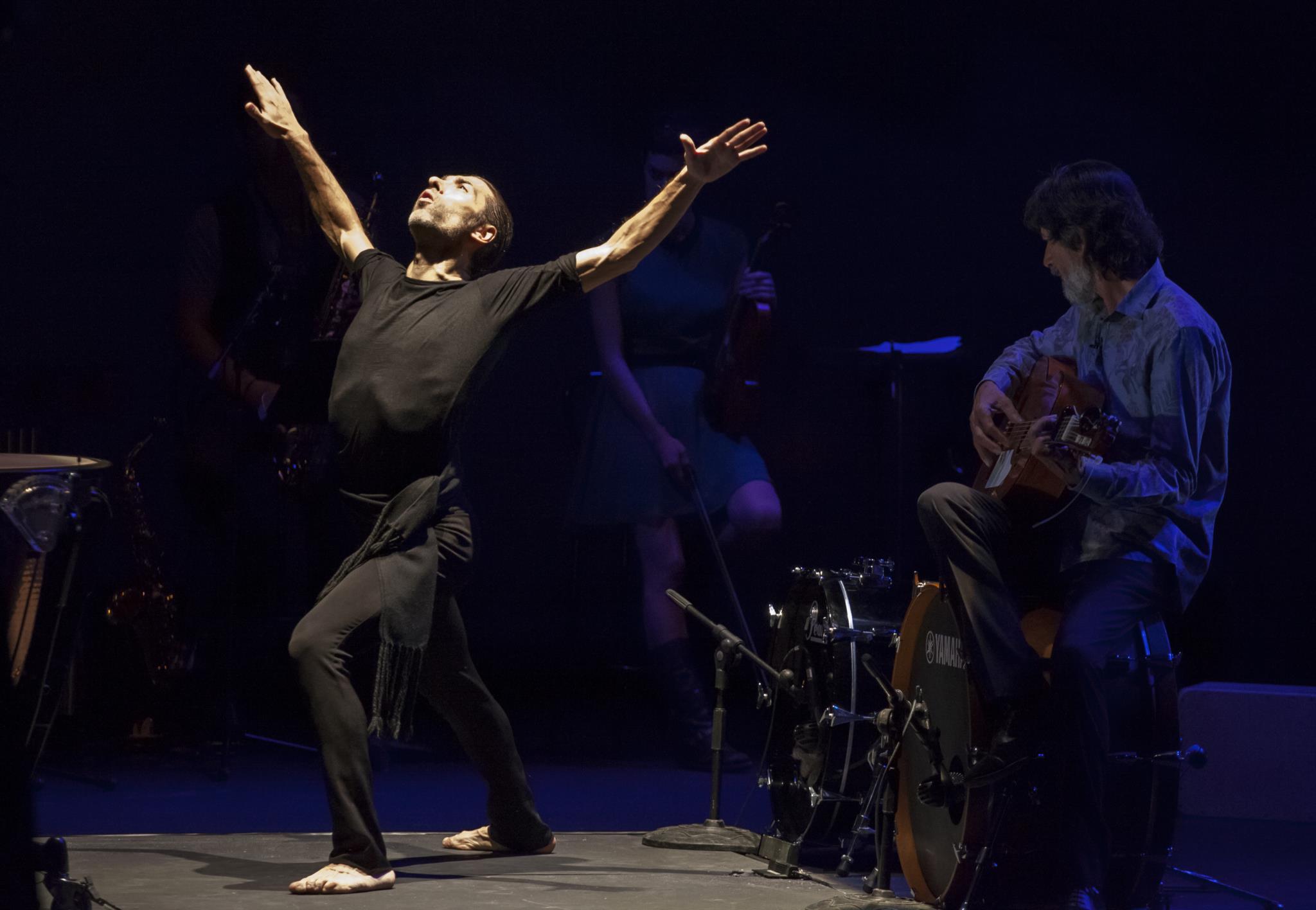PÚBLICO - A anarquia do flamenco segundo Israel Galván